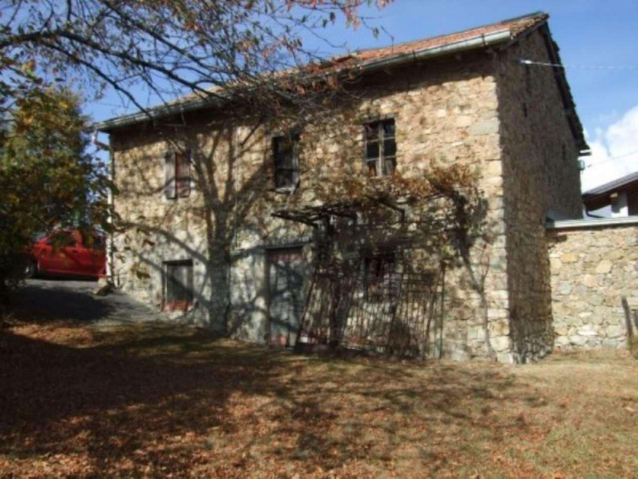 Rustico / Casale in Vendita a Villa Minozzo