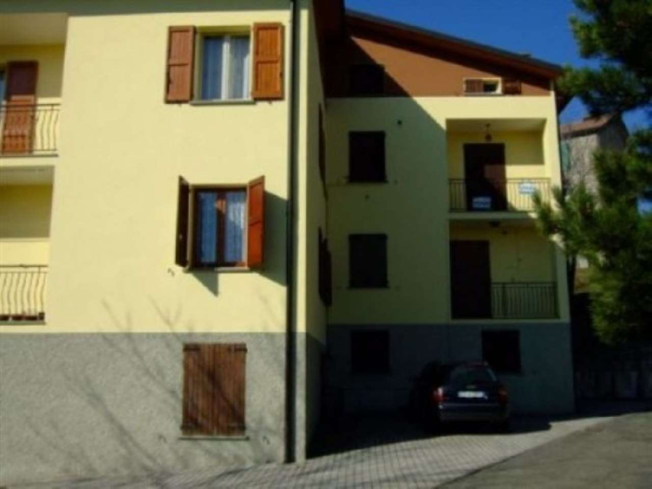 Appartamento in vendita a Villa Minozzo, 5 locali, prezzo € 70.000 | Cambio Casa.it