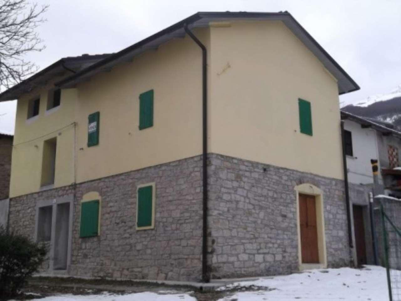 Soluzione Indipendente in Vendita a Villa Minozzo