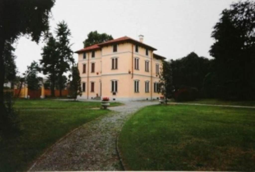 Villa in vendita a Mezzago, 6 locali, prezzo € 440.000 | Cambio Casa.it