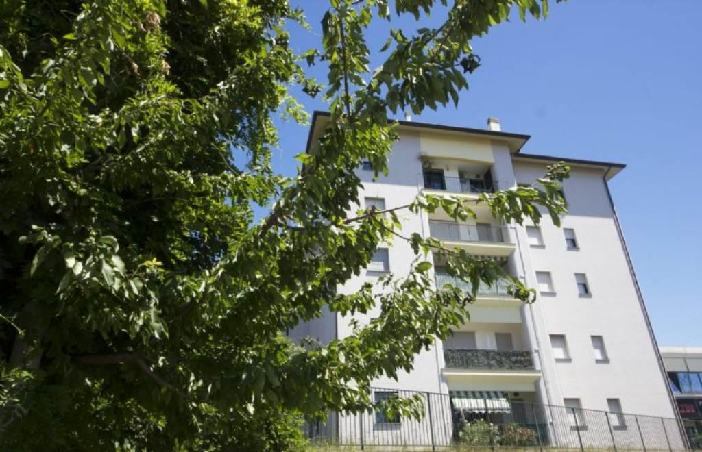 Appartamento in affitto a Biassono, 3 locali, prezzo € 600 | Cambio Casa.it