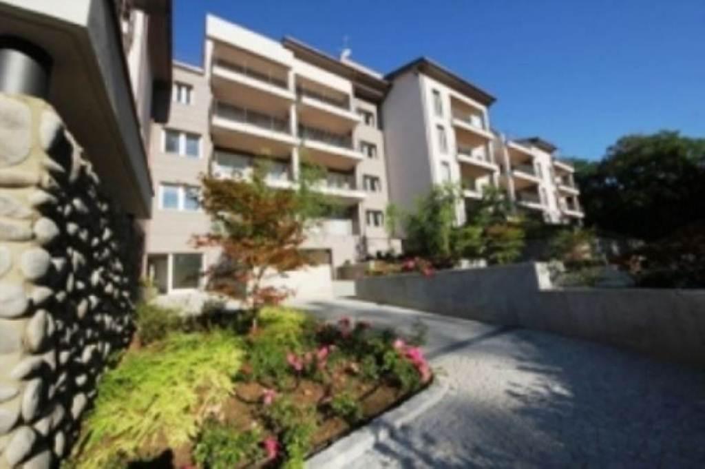 Appartamento in vendita a Biassono, 3 locali, prezzo € 198.000 | Cambio Casa.it
