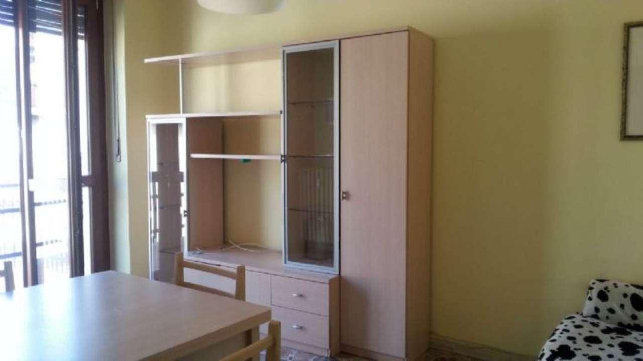 Appartamento in affitto a Moncalieri, 2 locali, prezzo € 450 | Cambio Casa.it