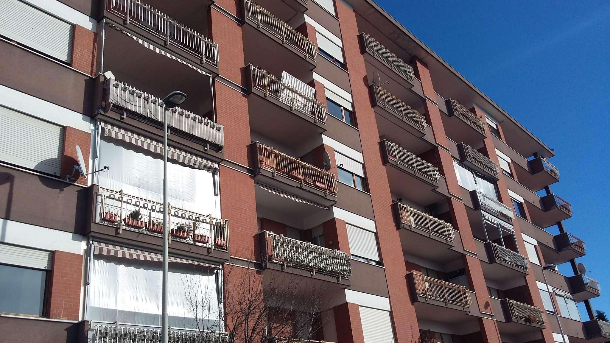 Appartamento in affitto a Collegno, 4 locali, prezzo € 500 | Cambio Casa.it