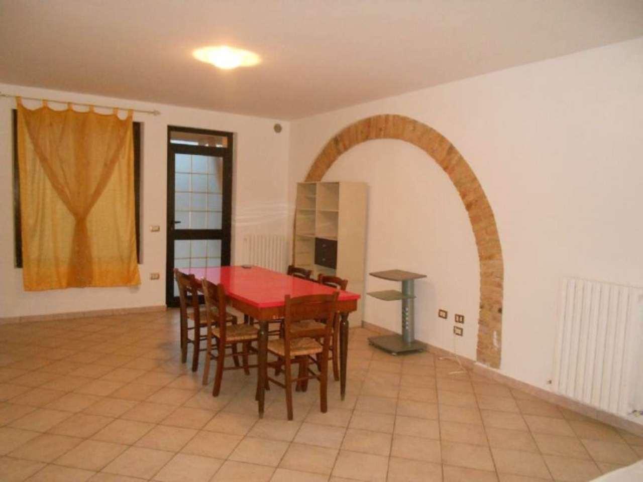 Appartamento in affitto a Ortona, 3 locali, prezzo € 350 | CambioCasa.it