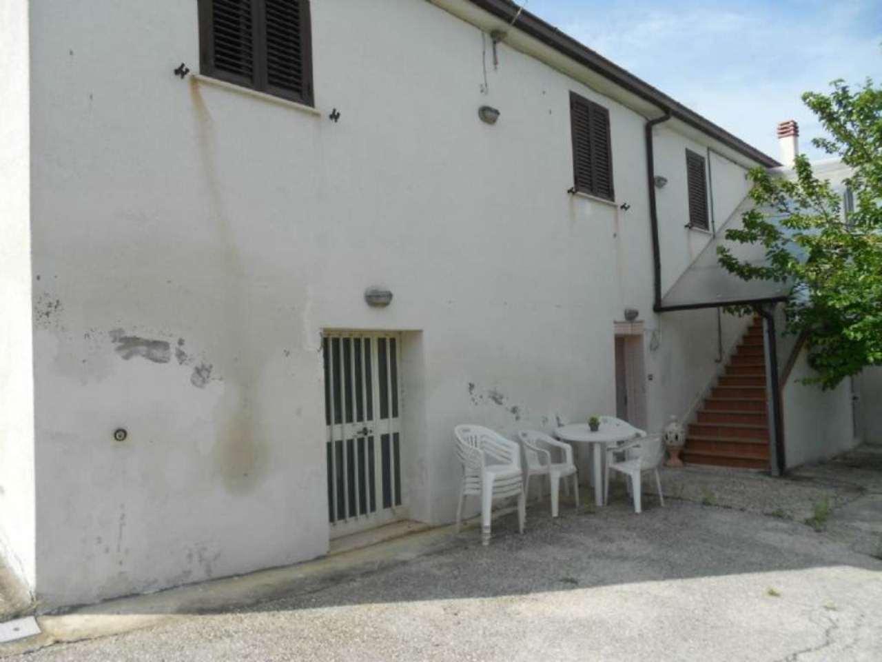 Appartamento in affitto a Torrevecchia Teatina, 2 locali, prezzo € 280 | CambioCasa.it