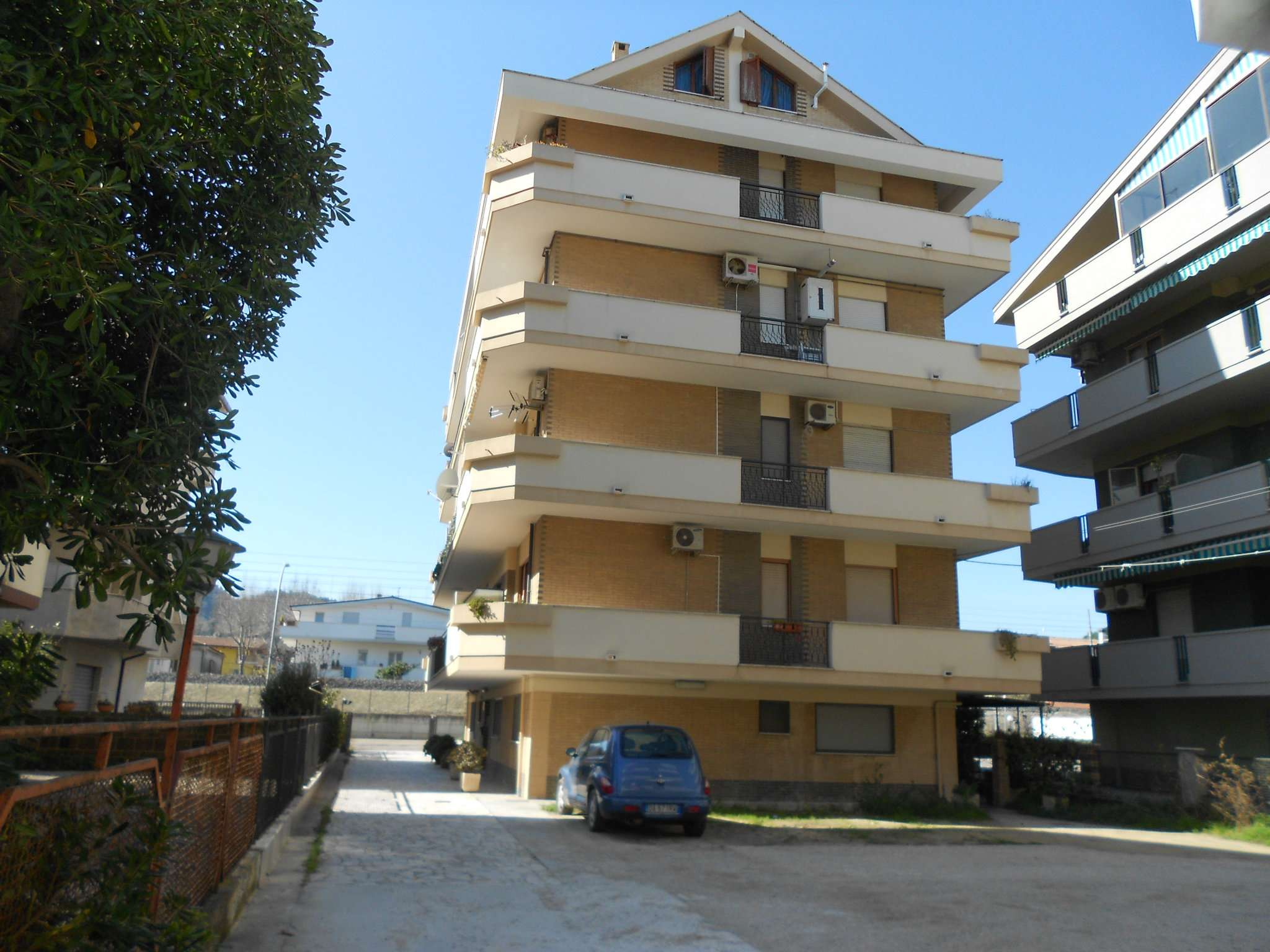 Ottimo appartamento per luglio e Agosto a Francavilla al Mare Rif.11113472