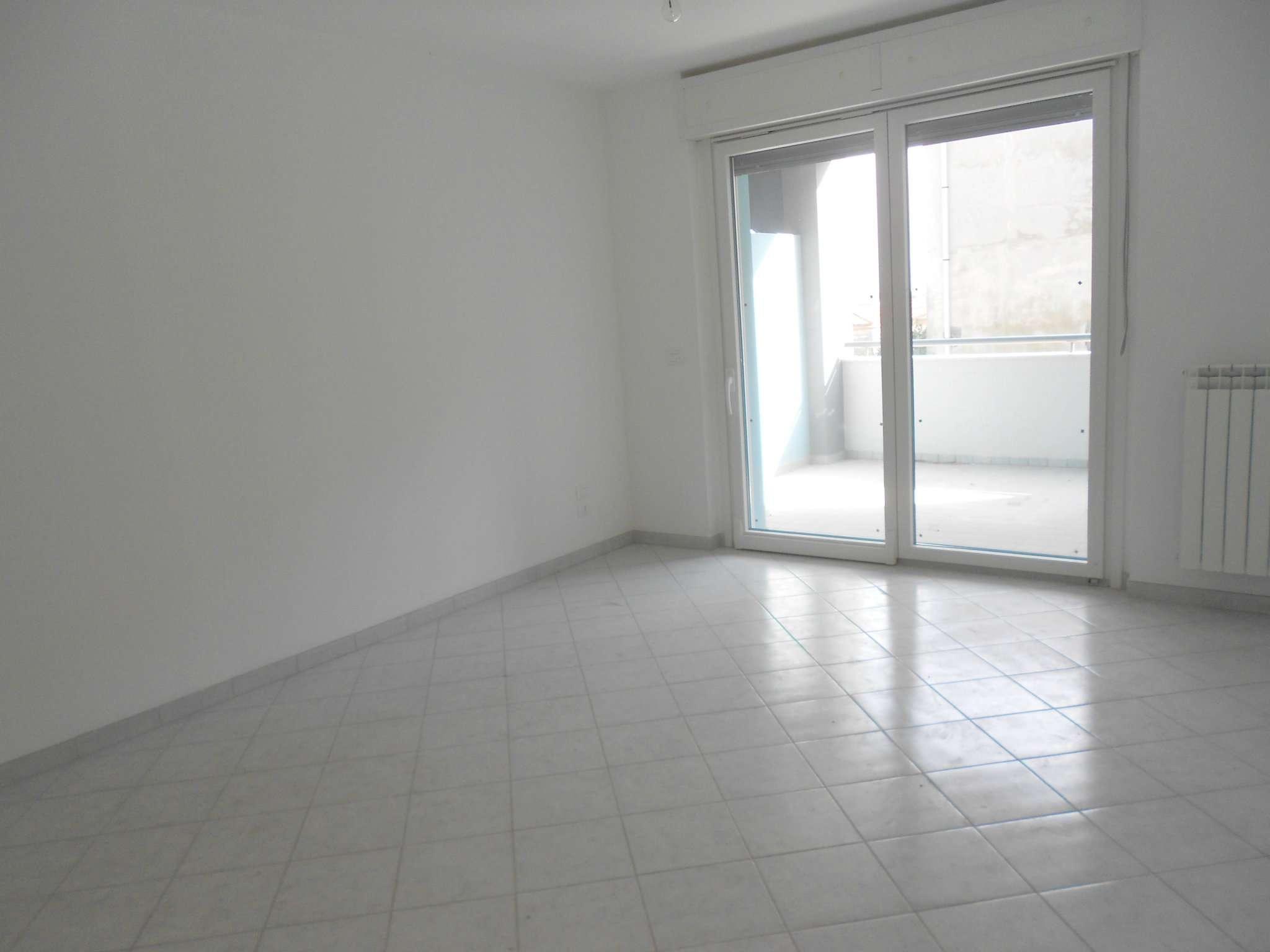 Appartamento in affitto a Francavilla al Mare, 3 locali, prezzo € 500   CambioCasa.it