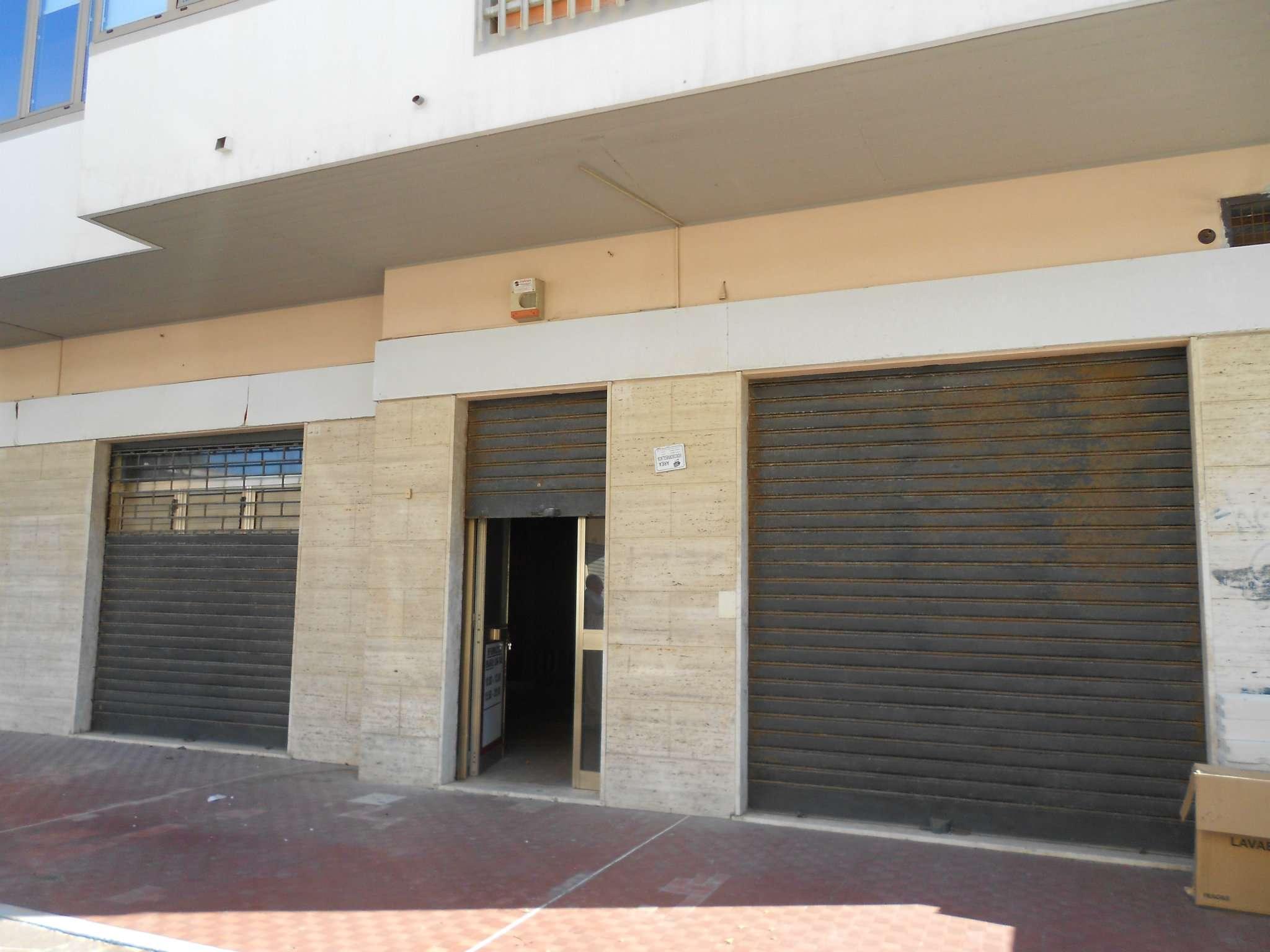 Negozio / Locale in affitto a Francavilla al Mare, 4 locali, prezzo € 600 | CambioCasa.it