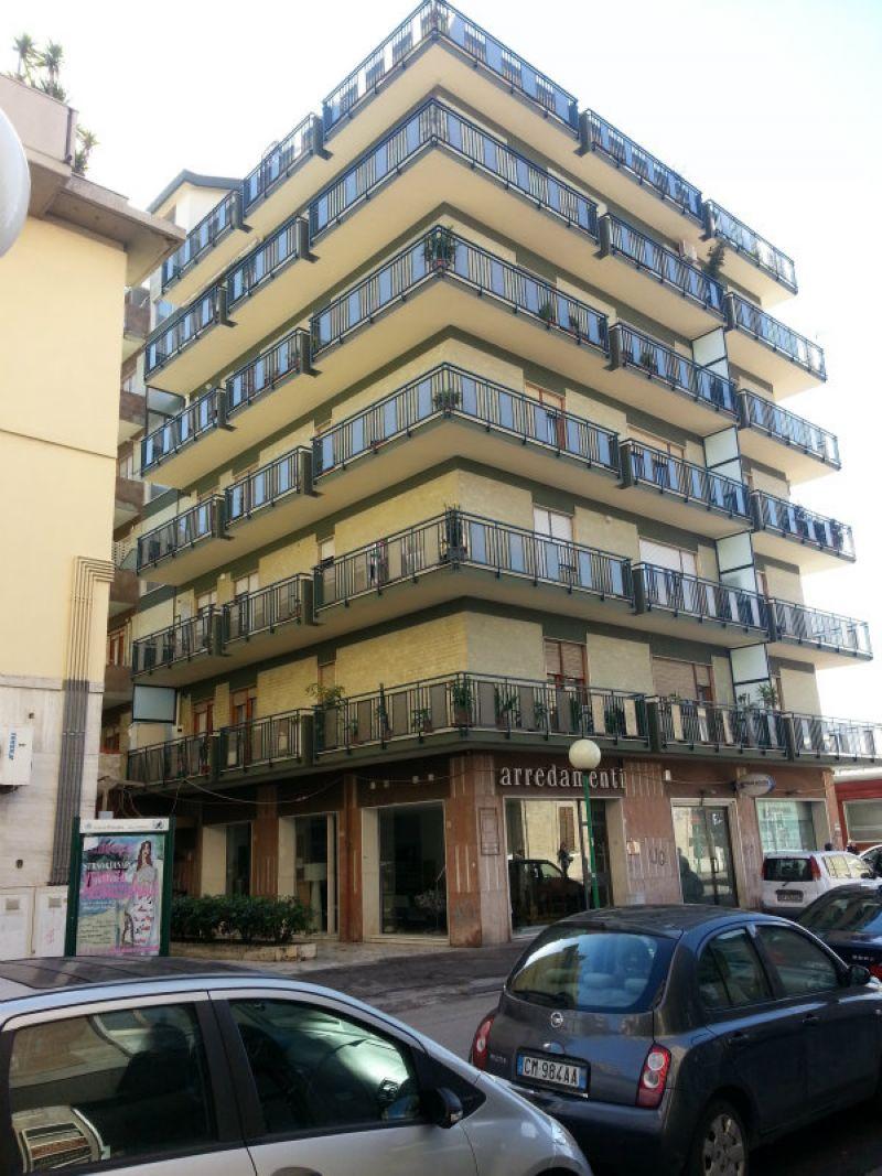 Appartamento in affitto a Pescara, 4 locali, prezzo € 1.000 | Cambio Casa.it