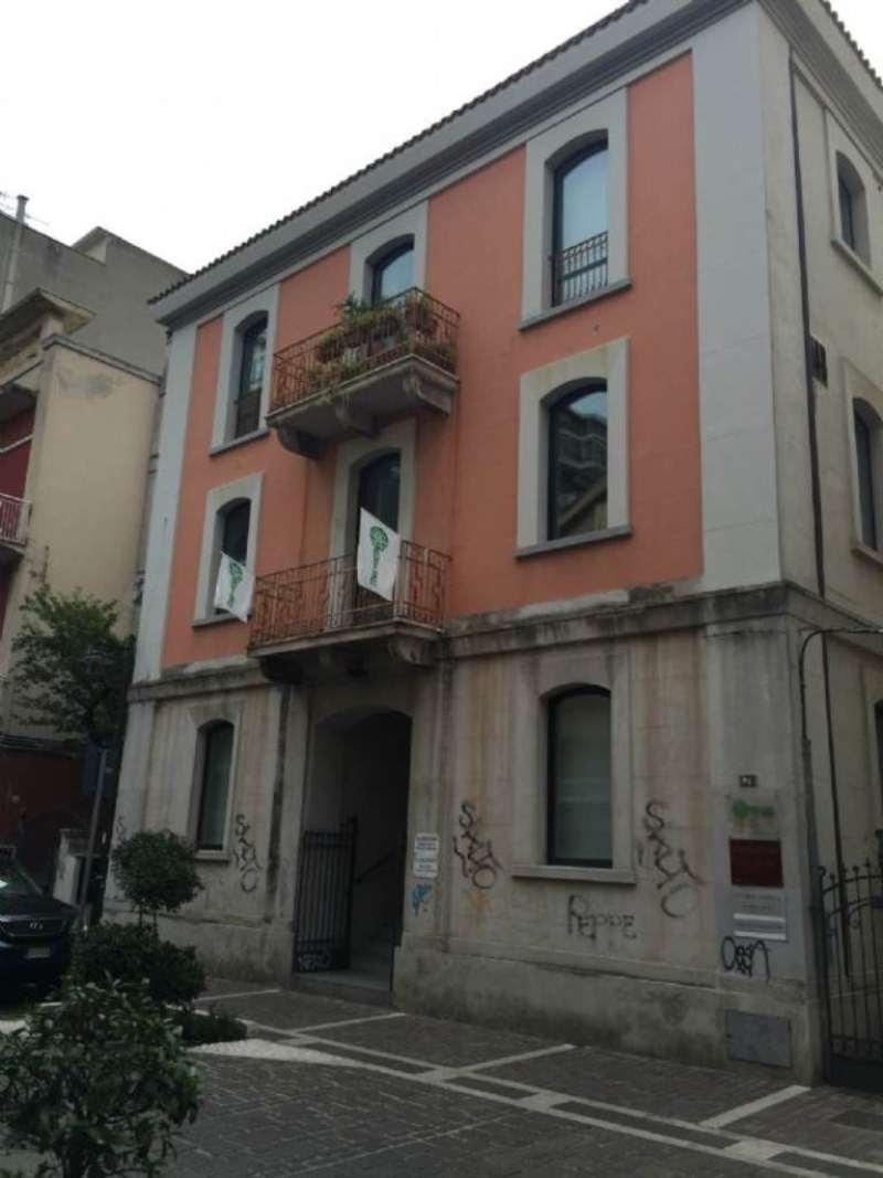 Ufficio / Studio in affitto a Pescara, 6 locali, prezzo € 1.500 | Cambio Casa.it