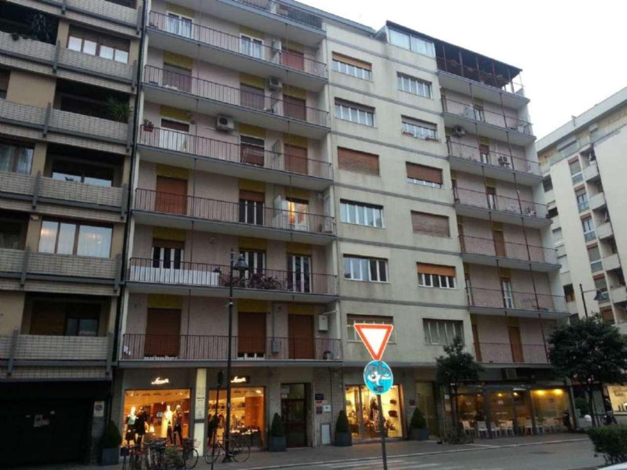 Appartamento in affitto a Pescara, 3 locali, prezzo € 1.000 | Cambio Casa.it