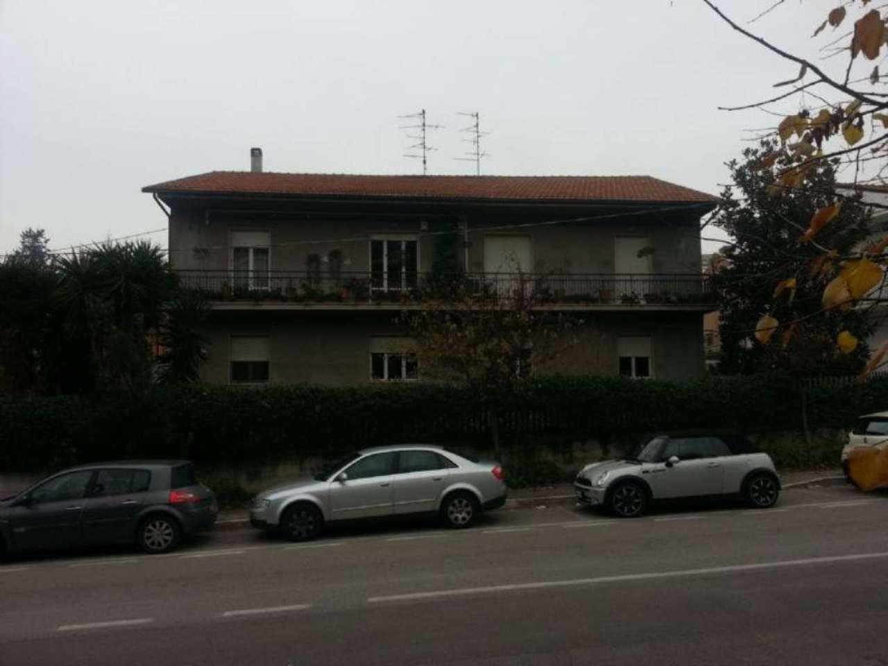 Ufficio / Studio in affitto a Pescara, 4 locali, prezzo € 550   CambioCasa.it