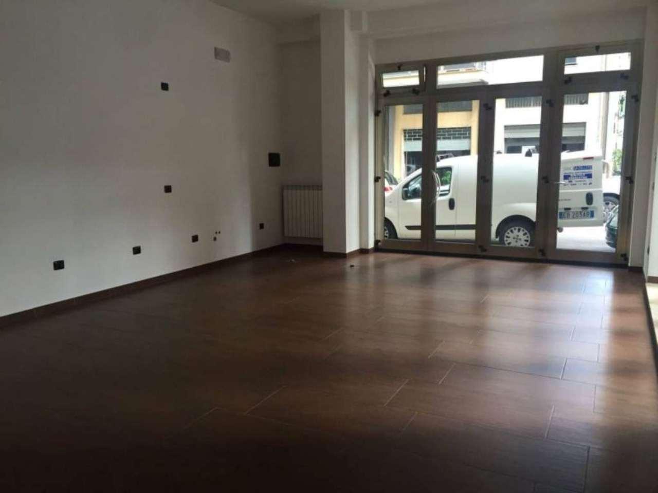 Negozio / Locale in affitto a Pescara, 3 locali, prezzo € 1.800 | CambioCasa.it