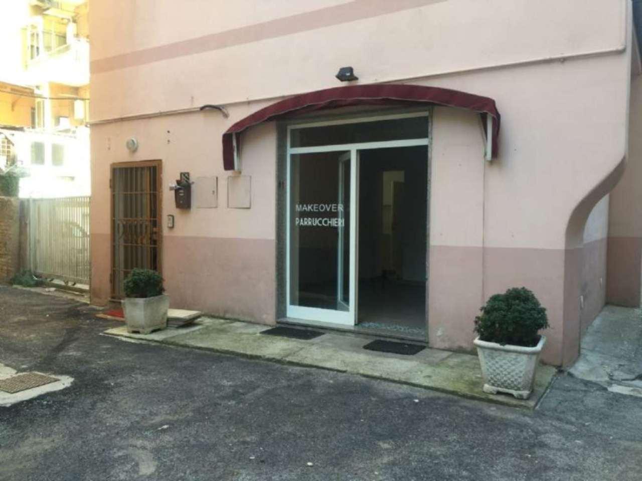 Negozio / Locale in affitto a Pescara, 2 locali, prezzo € 900 | Cambio Casa.it