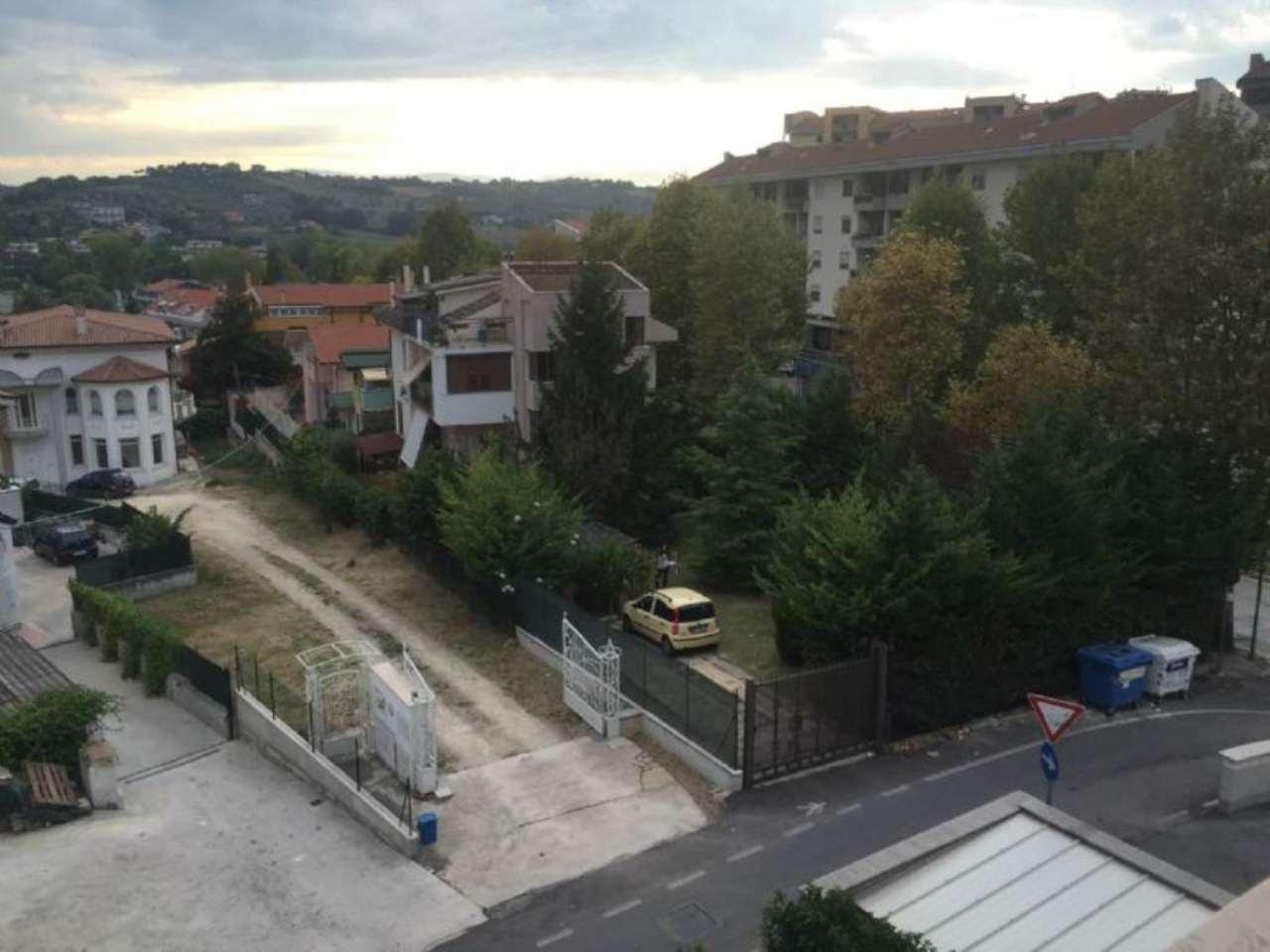 Bilocale Pescara Via Monti Di Campli 11