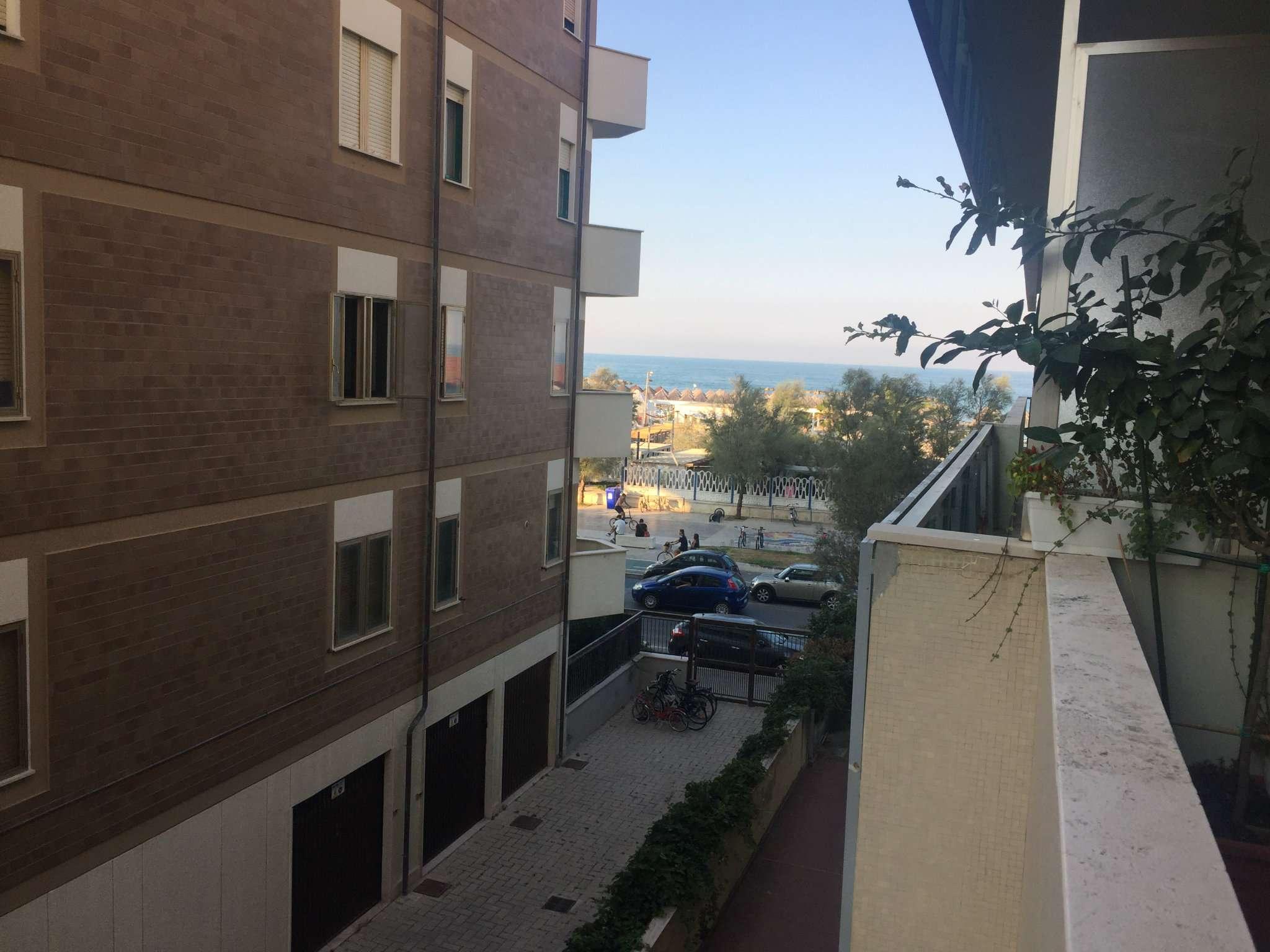 Bilocale Pescara Viale Kennedy 3