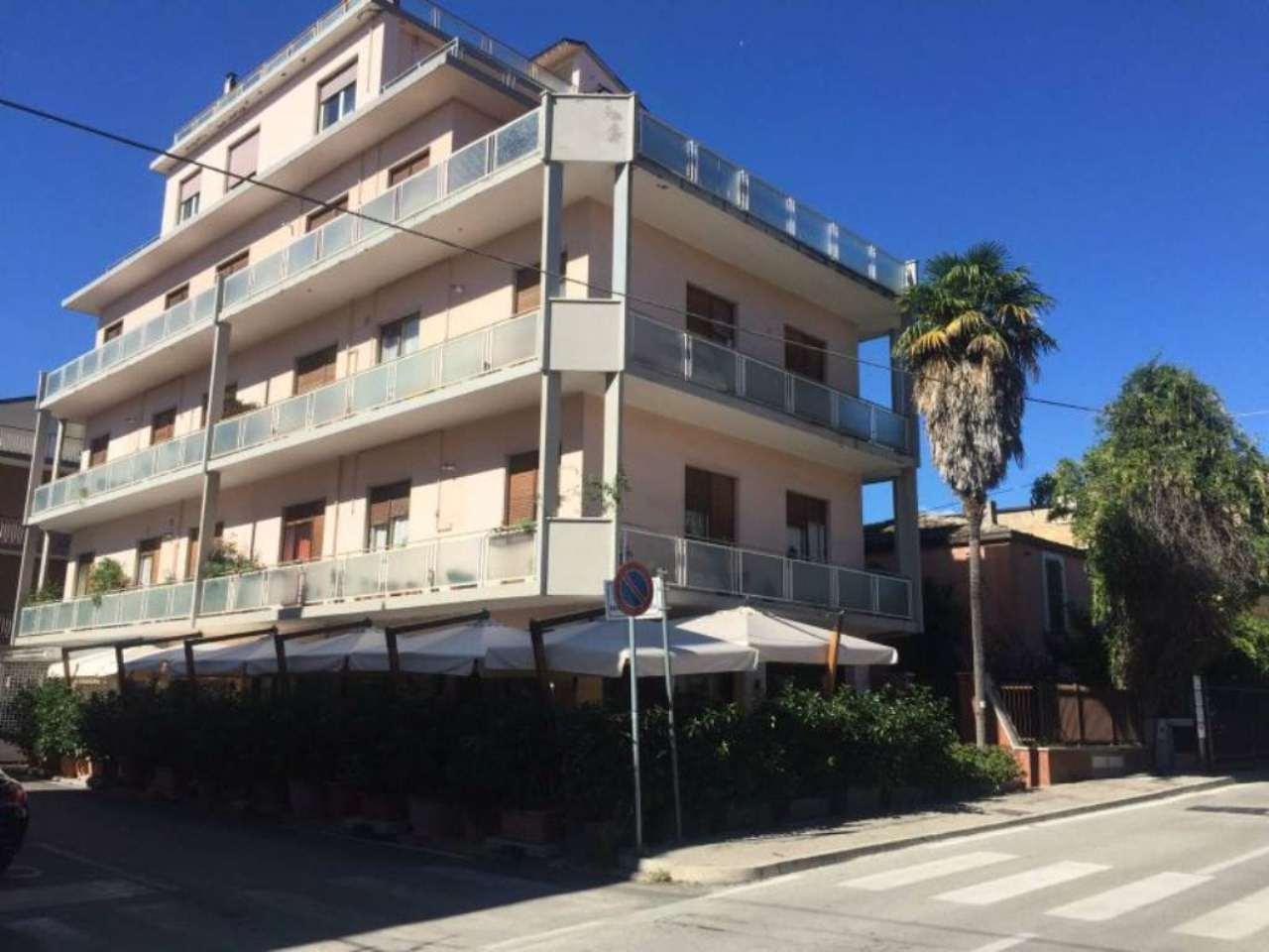 Appartamento in affitto a Pescara, 3 locali, prezzo € 430 | Cambio Casa.it