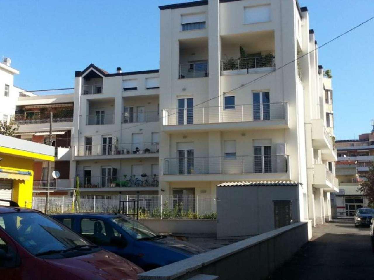 Appartamento in affitto a Pescara, 2 locali, prezzo € 500 | Cambio Casa.it