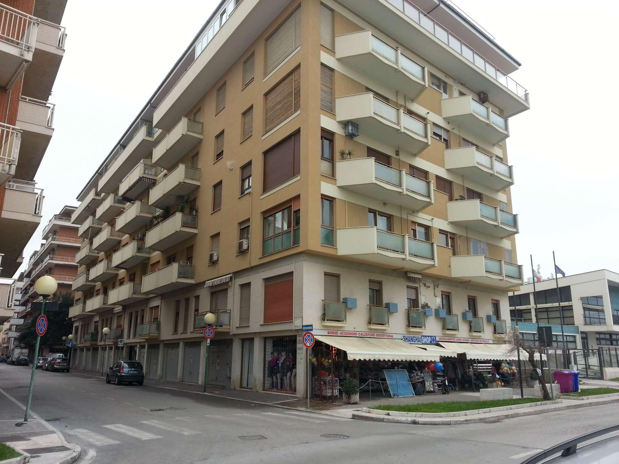 Attico / Mansarda in affitto a Pescara, 7 locali, prezzo € 1.200 | Cambio Casa.it