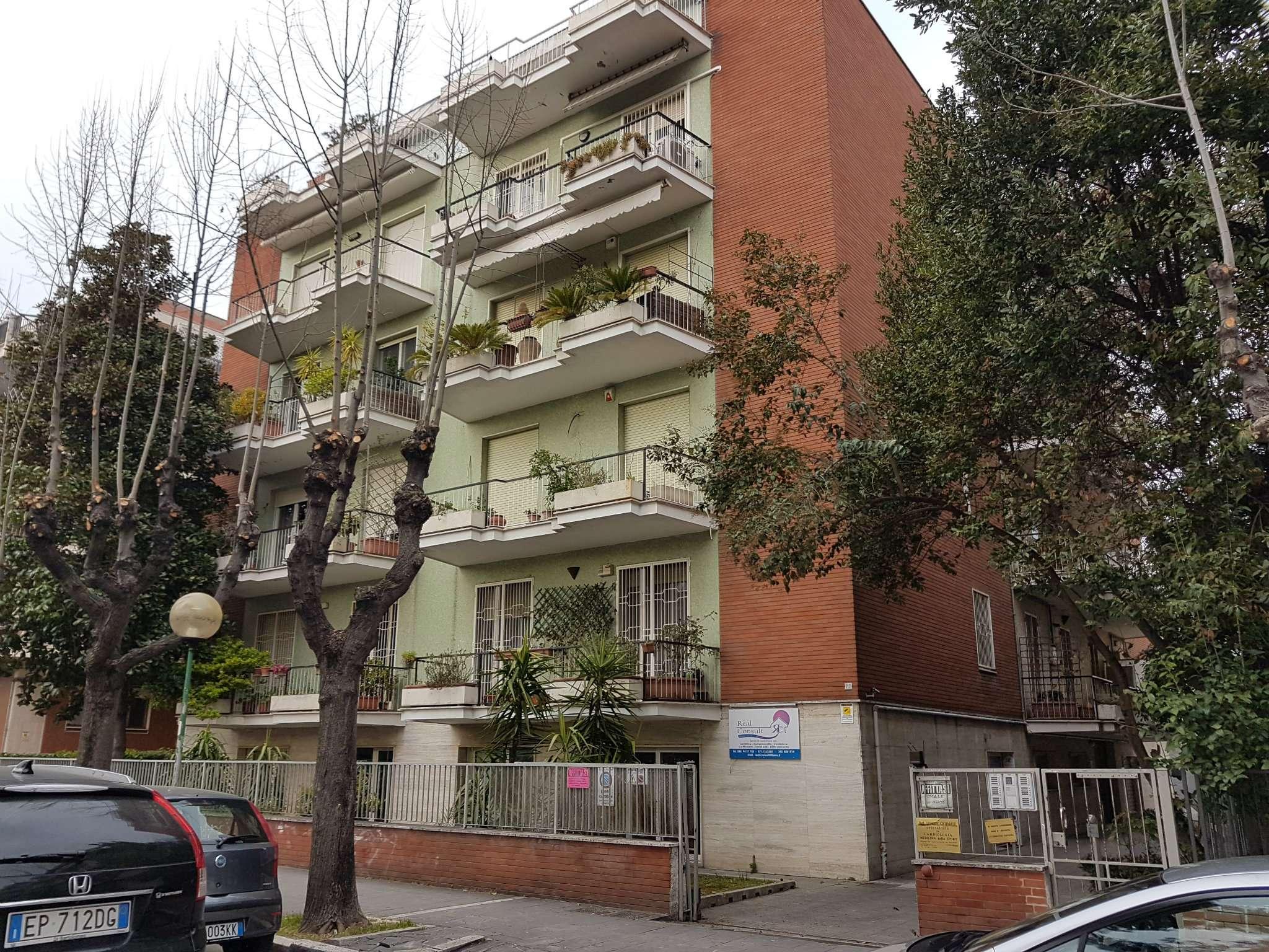 Ufficio / Studio in affitto a Pescara, 3 locali, prezzo € 500   Cambio Casa.it