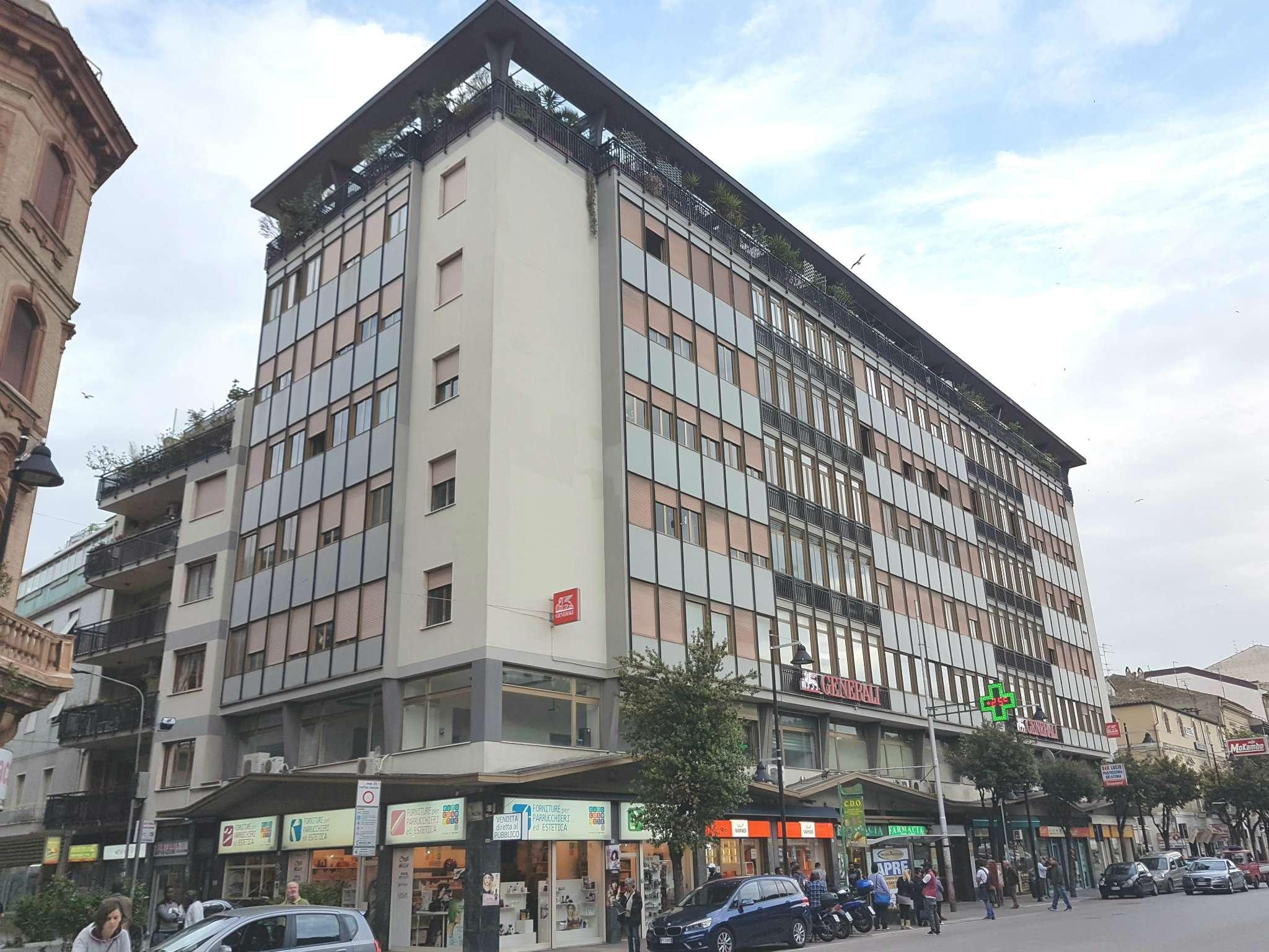 Attico / Mansarda in affitto a Pescara, 7 locali, prezzo € 650 | Cambio Casa.it