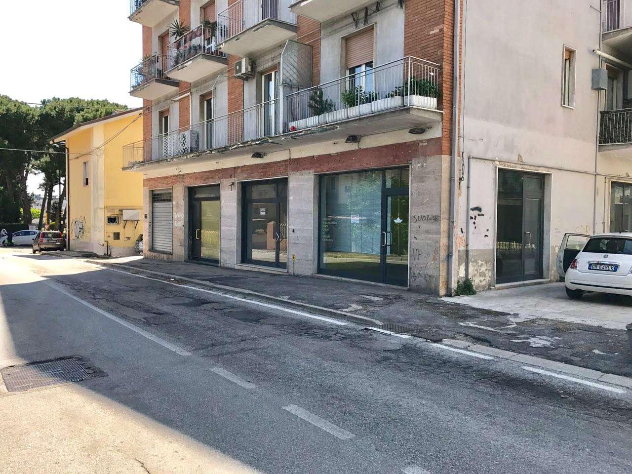 Negozio / Locale in vendita a Pescara, 1 locali, prezzo € 450 | Cambio Casa.it