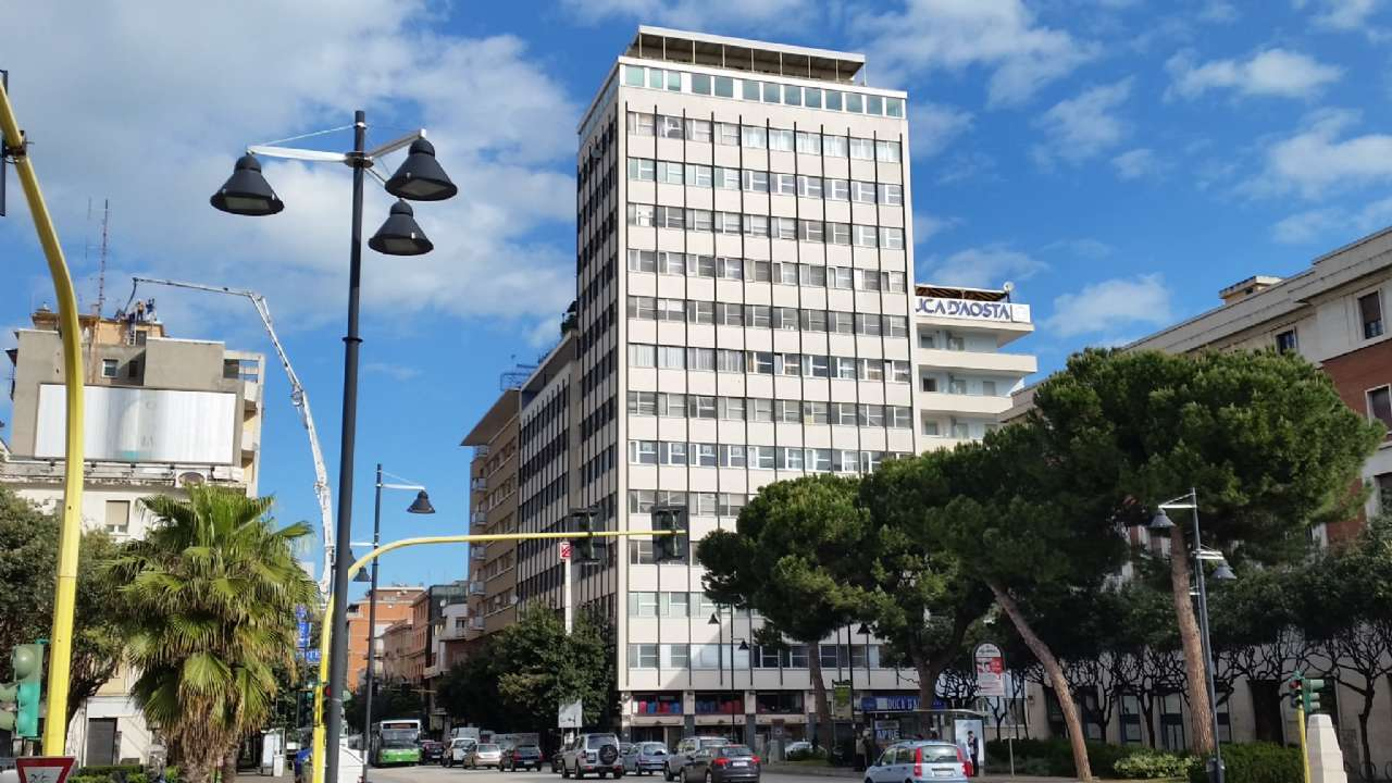 Ufficio / Studio in affitto a Pescara, 3 locali, prezzo € 750 | Cambio Casa.it