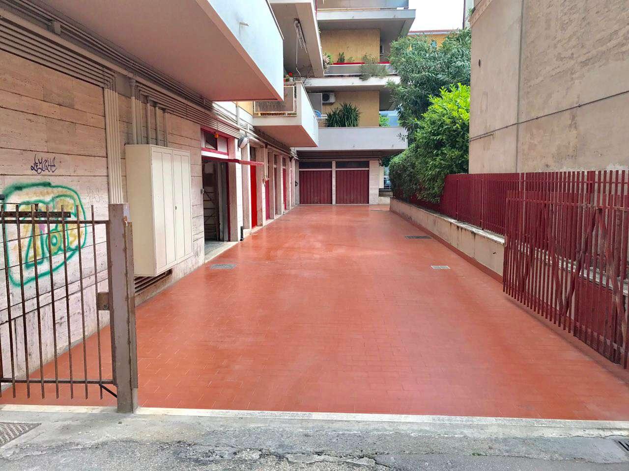 Box / Garage in affitto a Pescara, 1 locali, prezzo € 160 | Cambio Casa.it