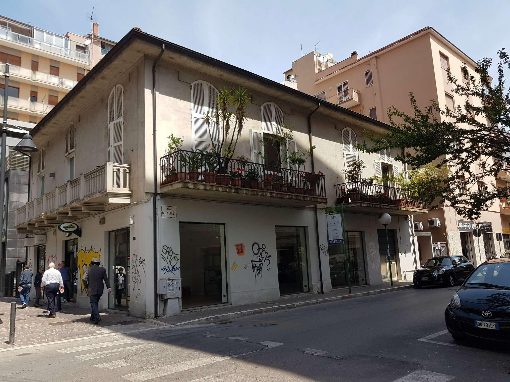 Negozio / Locale in affitto a Pescara, 3 locali, prezzo € 3.000 | CambioCasa.it