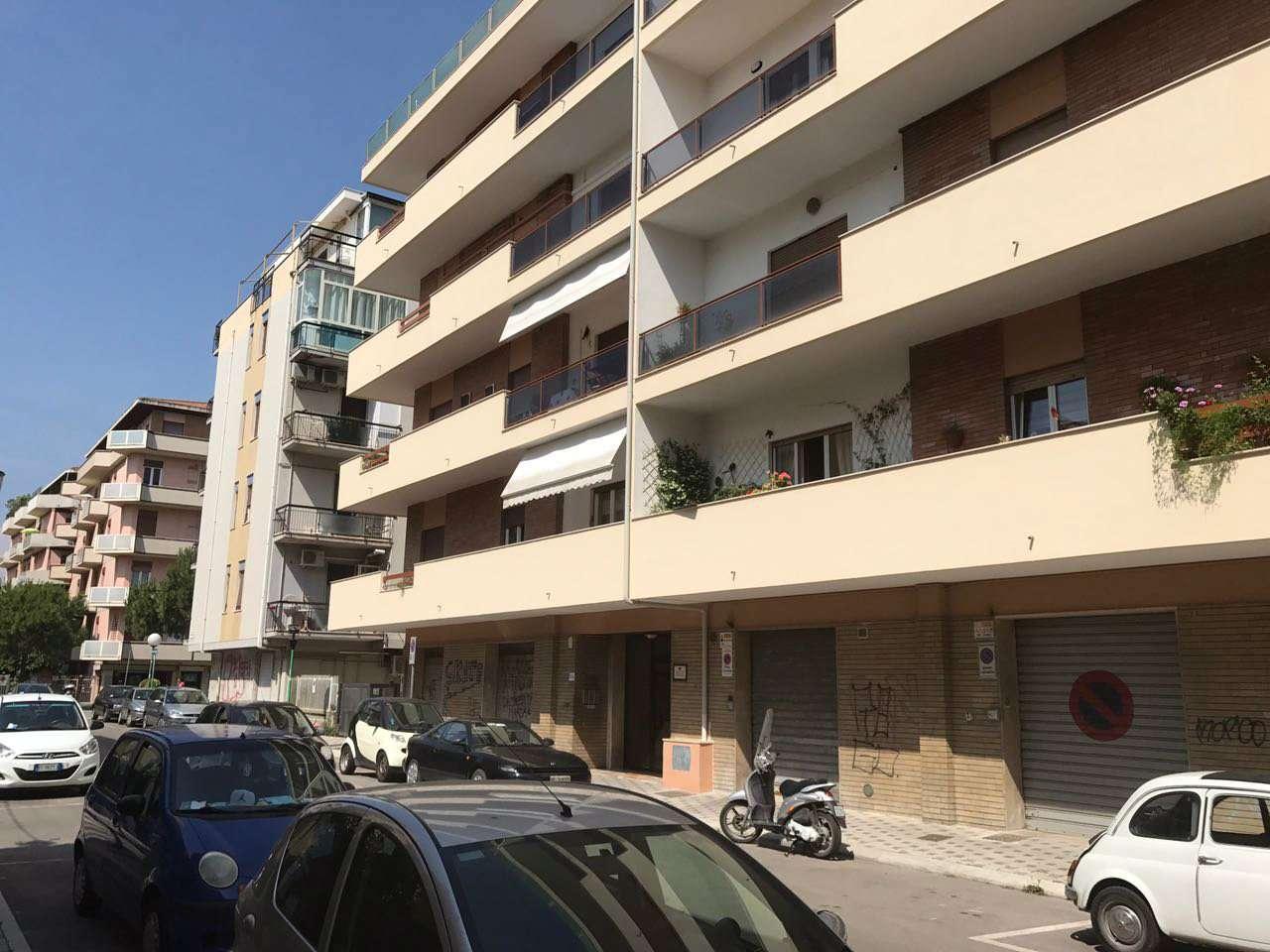 Appartamento in affitto a Pescara, 3 locali, prezzo € 550 | CambioCasa.it
