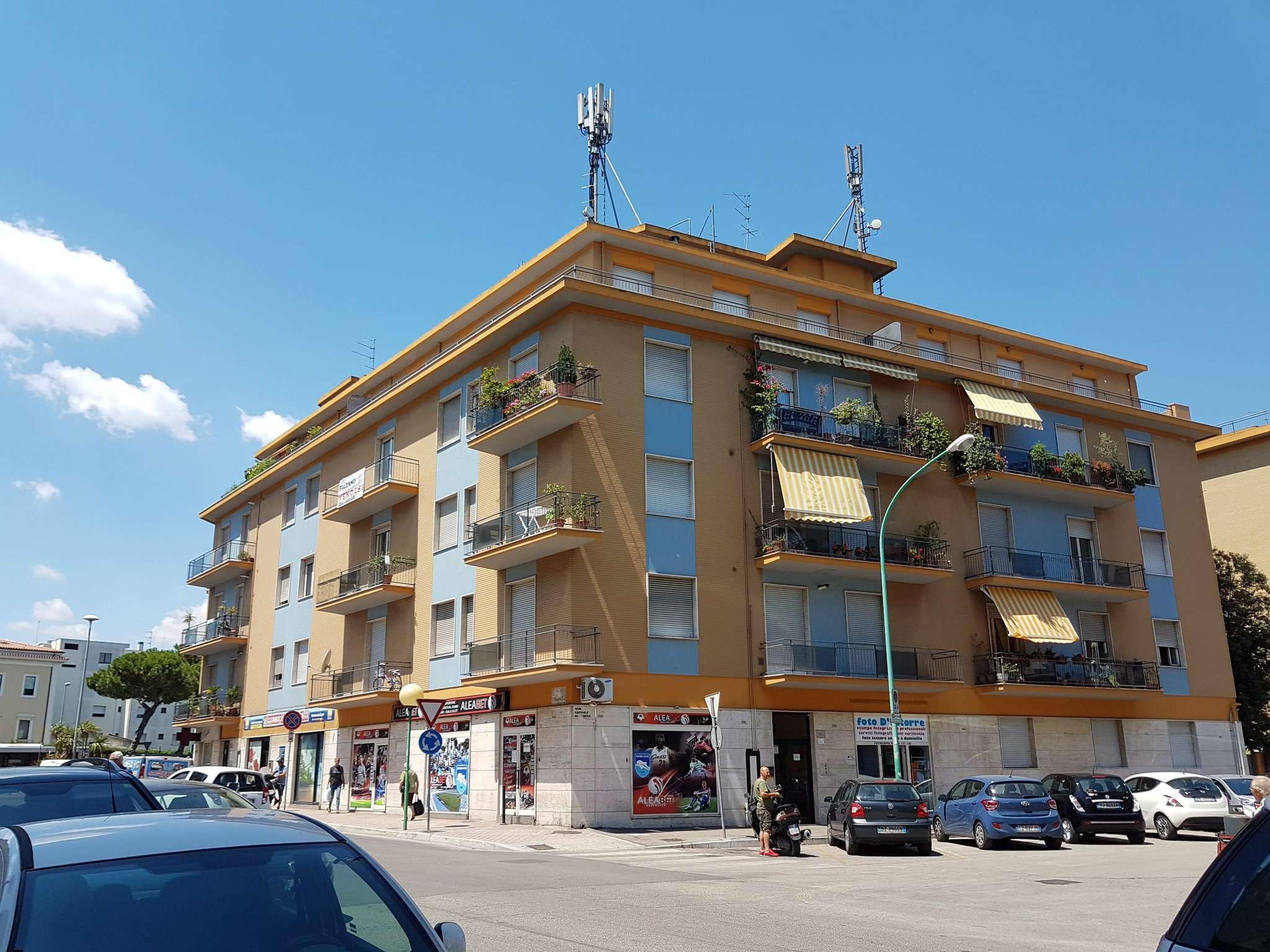 Appartamento in affitto a Pescara, 8 locali, prezzo € 450 | CambioCasa.it