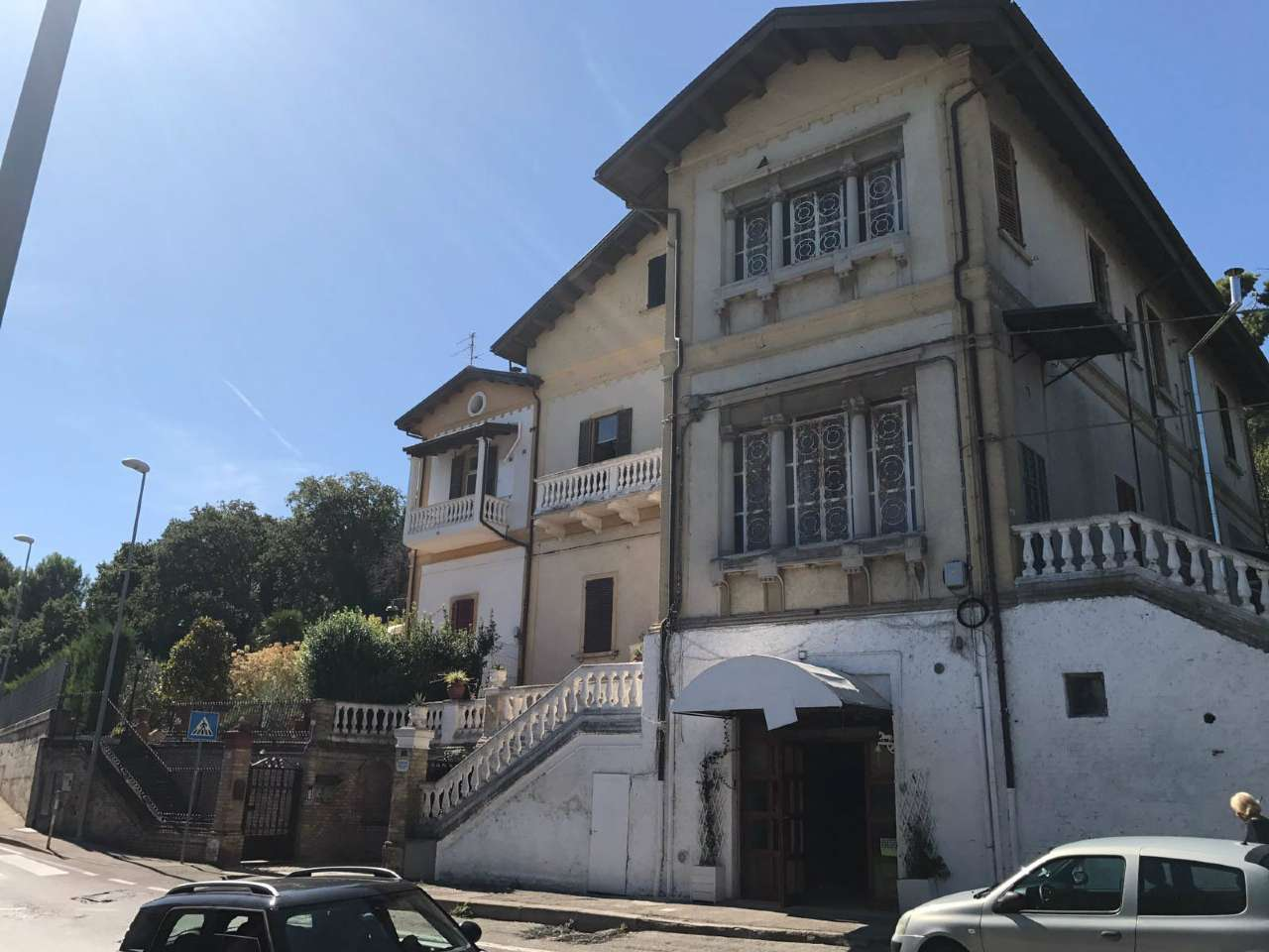 Negozio / Locale in affitto a Pescara, 2 locali, prezzo € 1.200 | CambioCasa.it