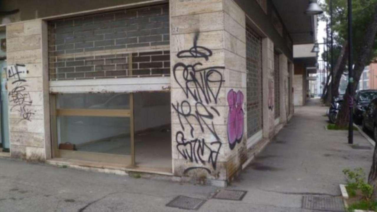 Attività / Licenza in affitto a Pescara, 9999 locali, prezzo € 400 | Cambio Casa.it