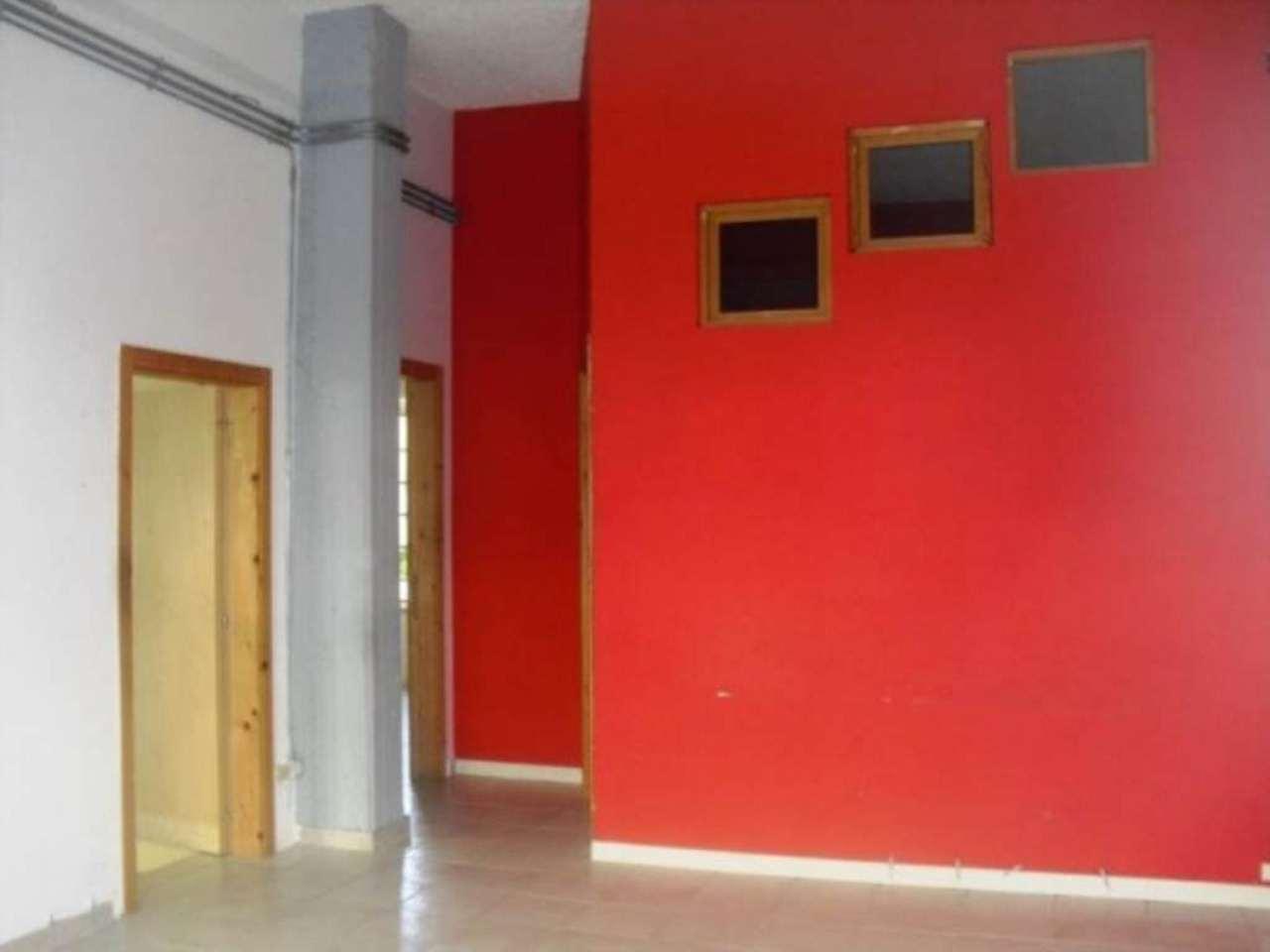 Attività / Licenza in affitto a Pescara, 3 locali, prezzo € 850 | Cambio Casa.it