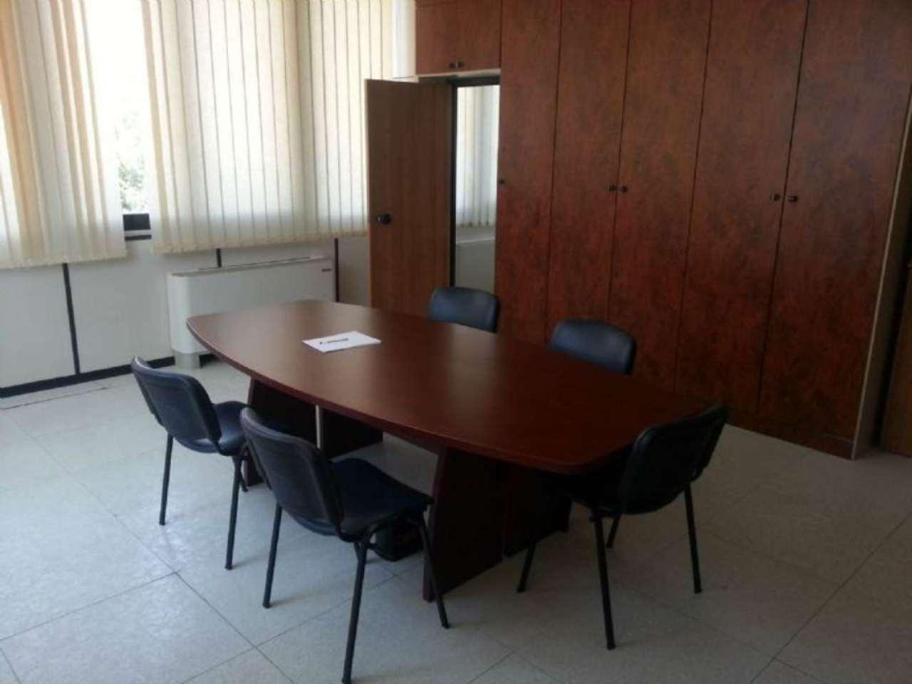 Ufficio / Studio in affitto a Pescara, 8 locali, prezzo € 2.500 | Cambio Casa.it