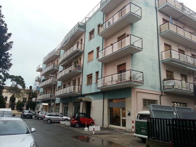 Negozio / Locale in affitto a Pescara, 1 locali, prezzo € 650 | Cambio Casa.it