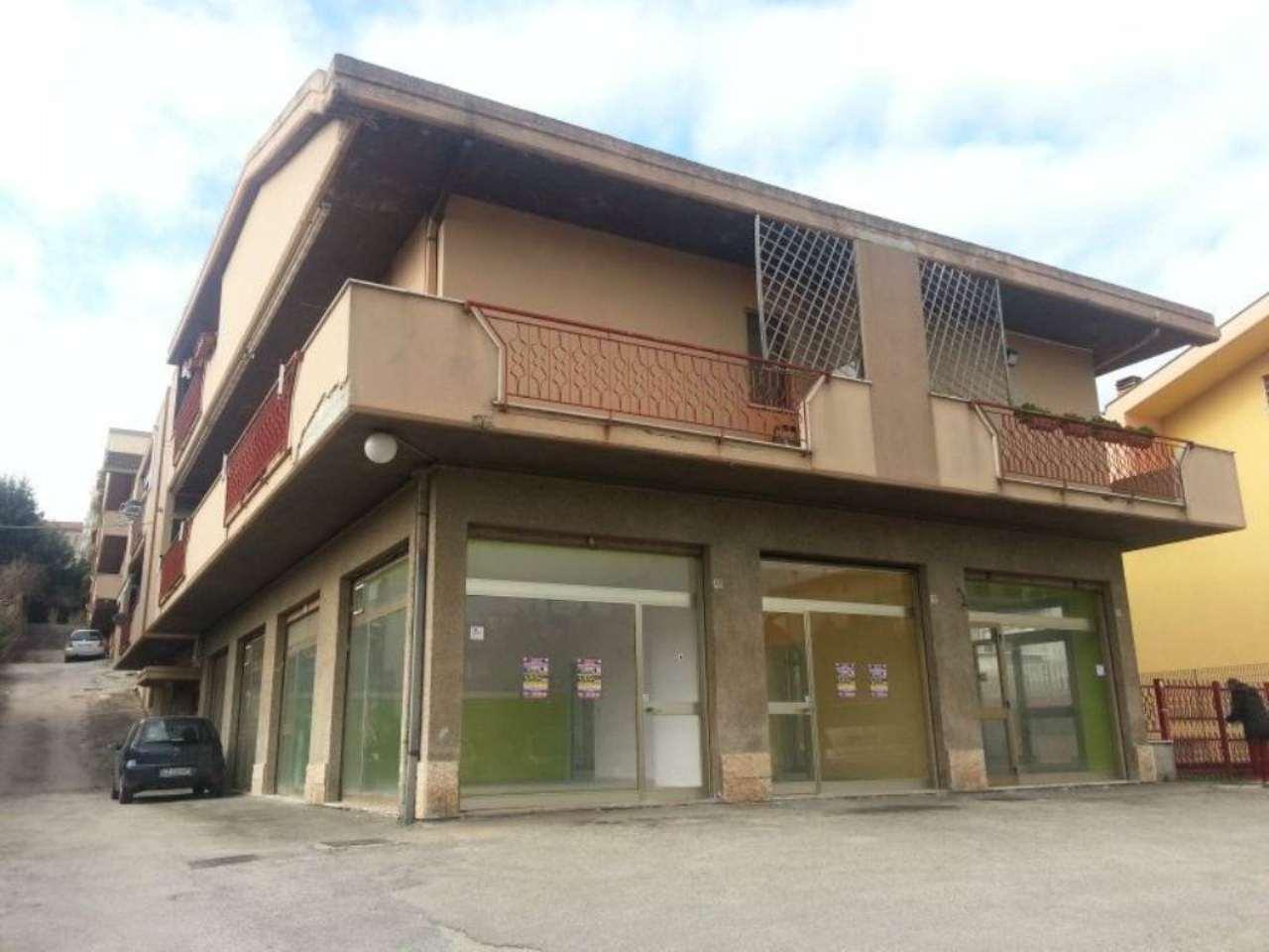 Negozio / Locale in affitto a Pescara, 8 locali, prezzo € 2.500 | Cambio Casa.it
