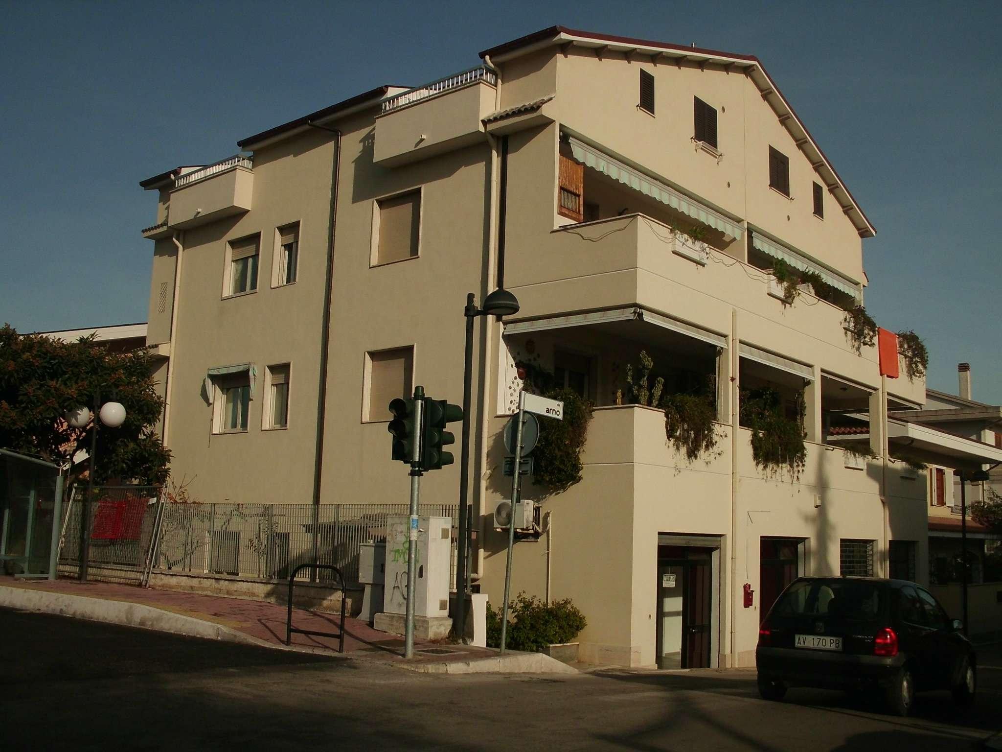 Attico / Mansarda in affitto a Montesilvano, 2 locali, prezzo € 400 | Cambio Casa.it