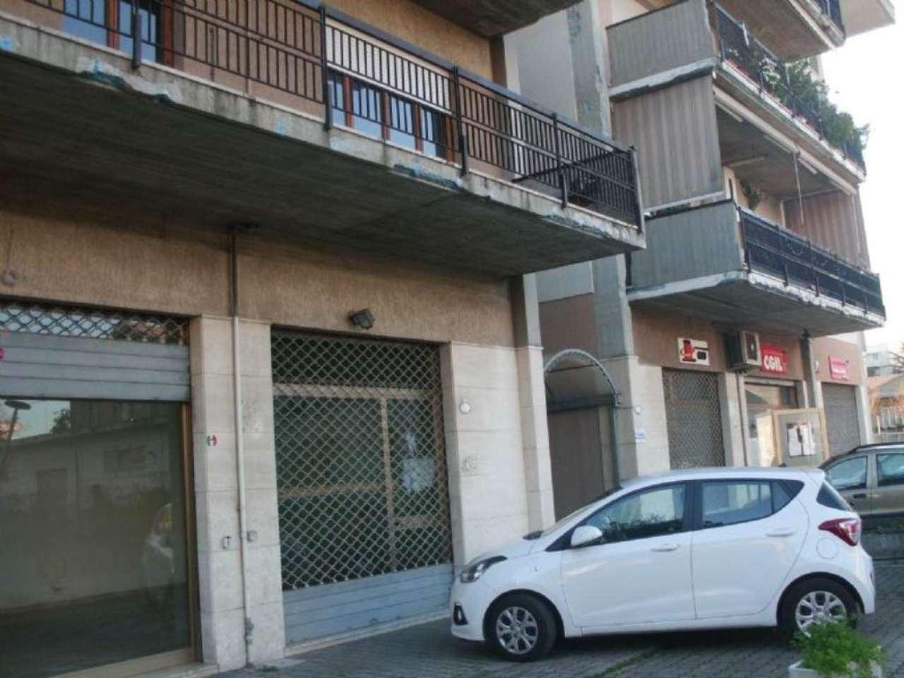 Negozio / Locale in affitto a Montesilvano, 1 locali, prezzo € 650 | Cambio Casa.it