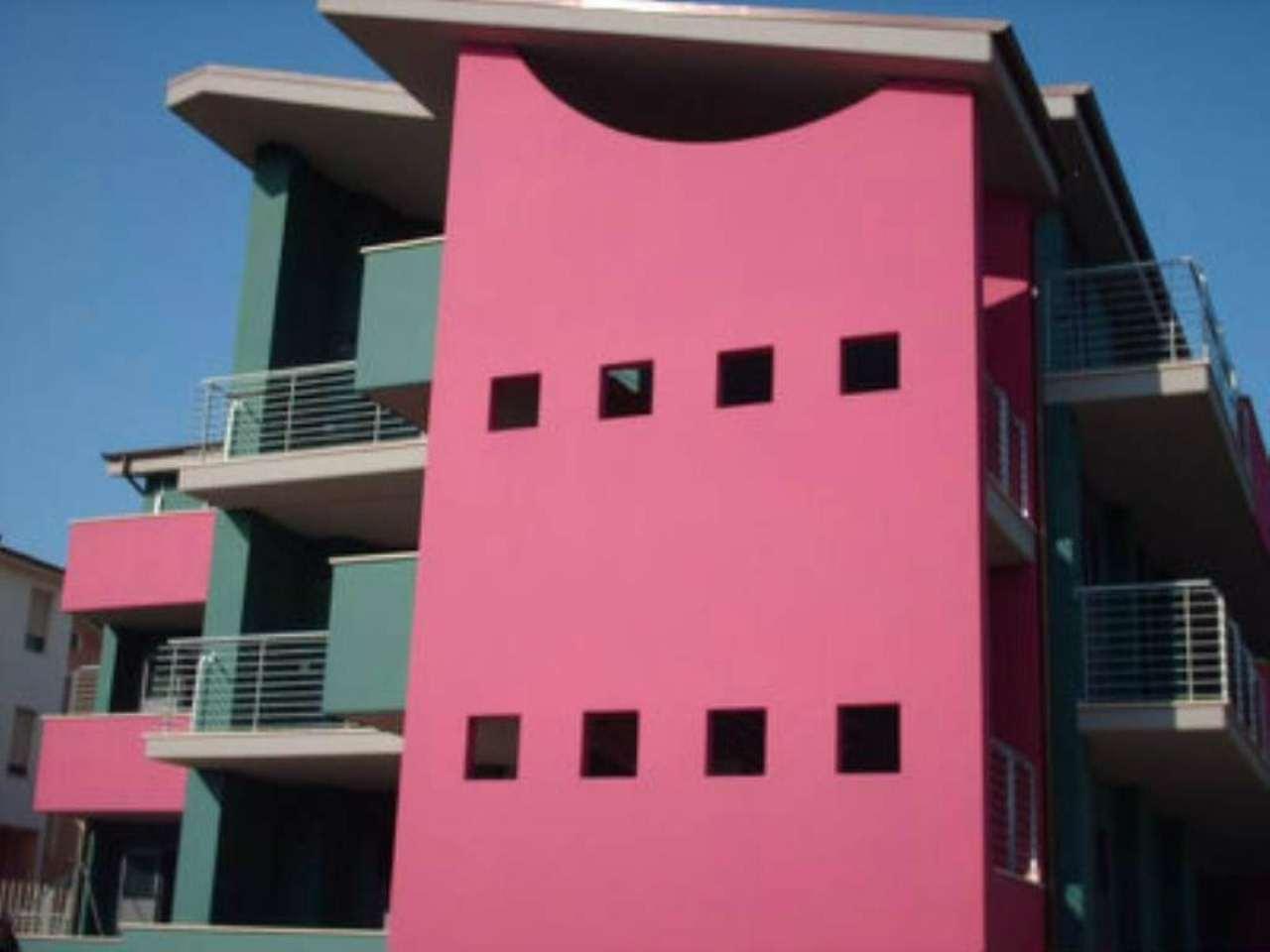 Appartamento in affitto a Città Sant'Angelo, 3 locali, prezzo € 450 | Cambio Casa.it