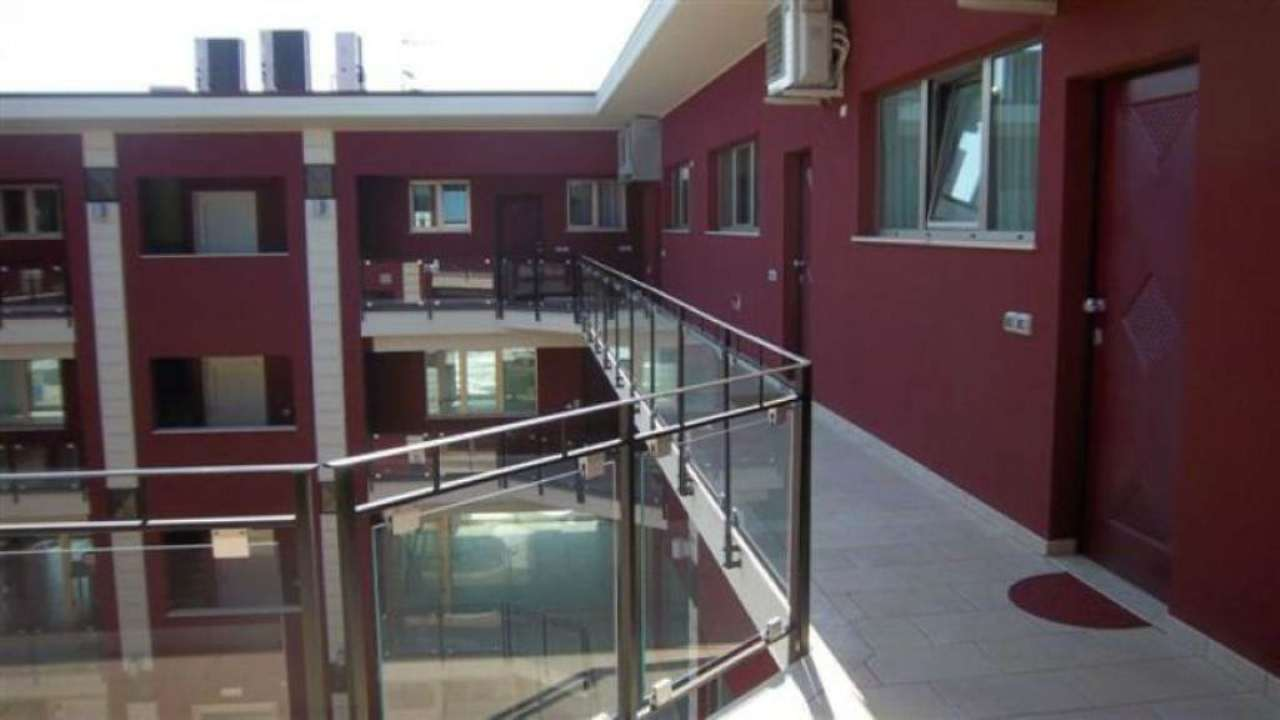 Appartamento in affitto a Città Sant'Angelo, 3 locali, prezzo € 400 | Cambio Casa.it