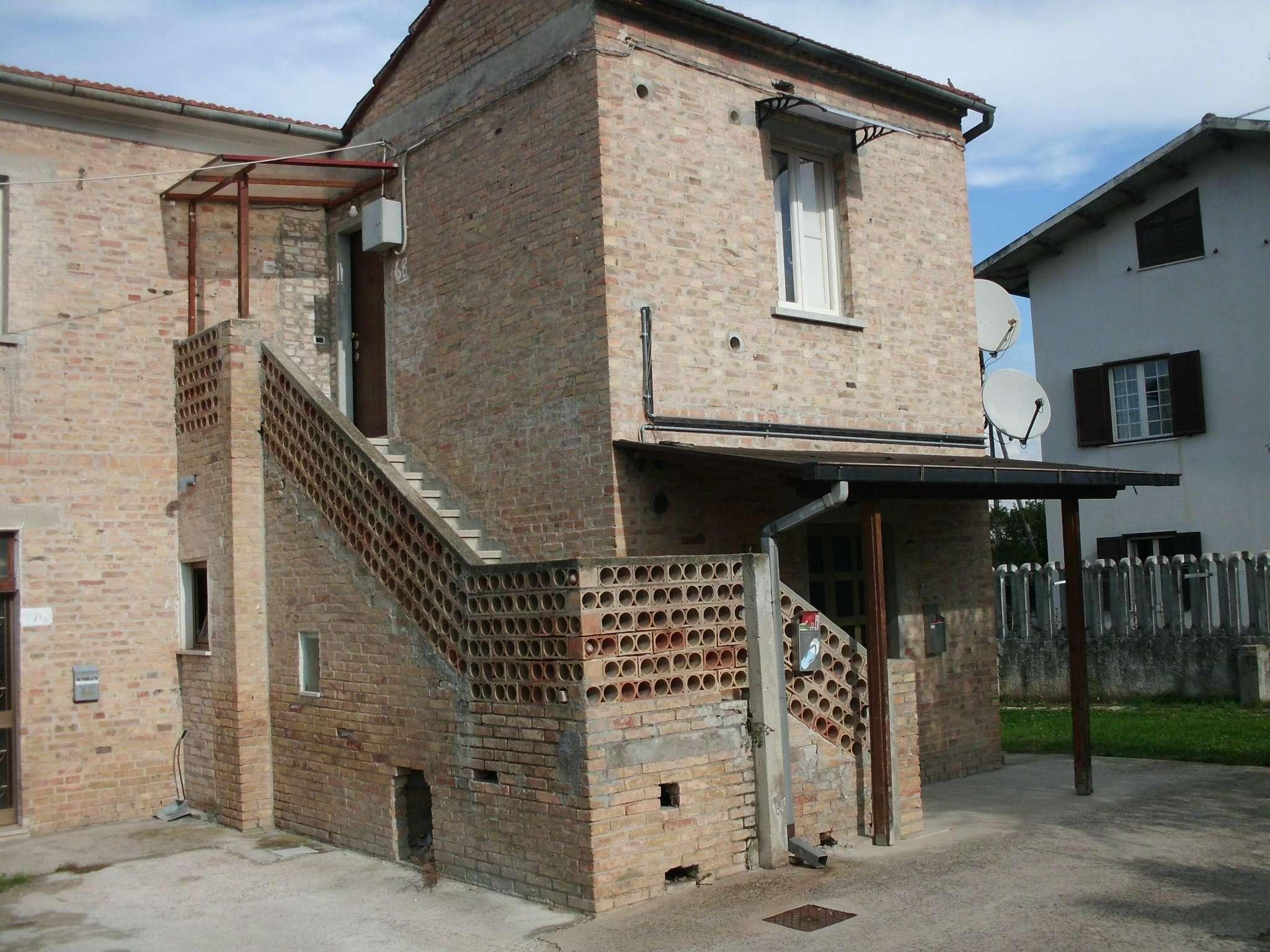 Soluzione Indipendente in affitto a Cappelle sul Tavo, 2 locali, prezzo € 280 | Cambio Casa.it