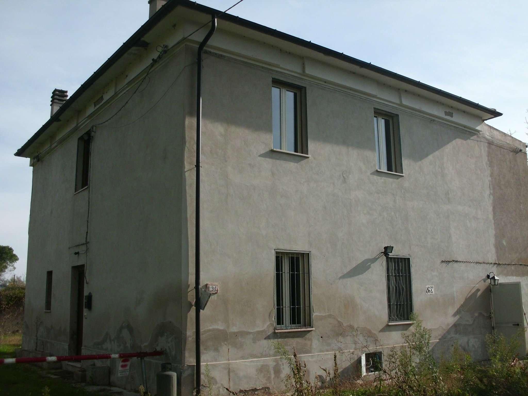 Soluzione Indipendente in affitto a Collecorvino, 3 locali, prezzo € 300 | Cambio Casa.it