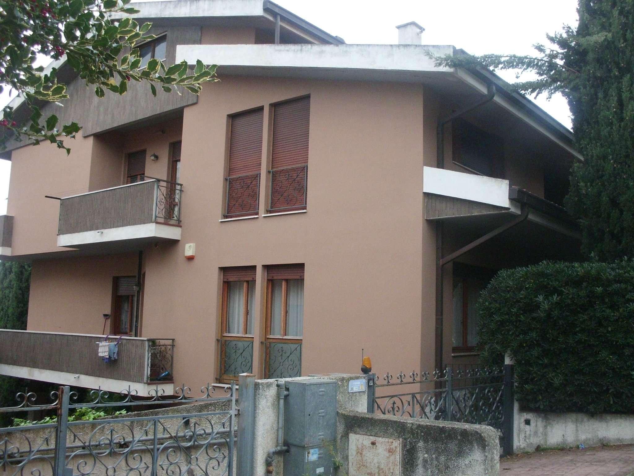 Appartamento in affitto a Montesilvano, 5 locali, prezzo € 1.000 | CambioCasa.it