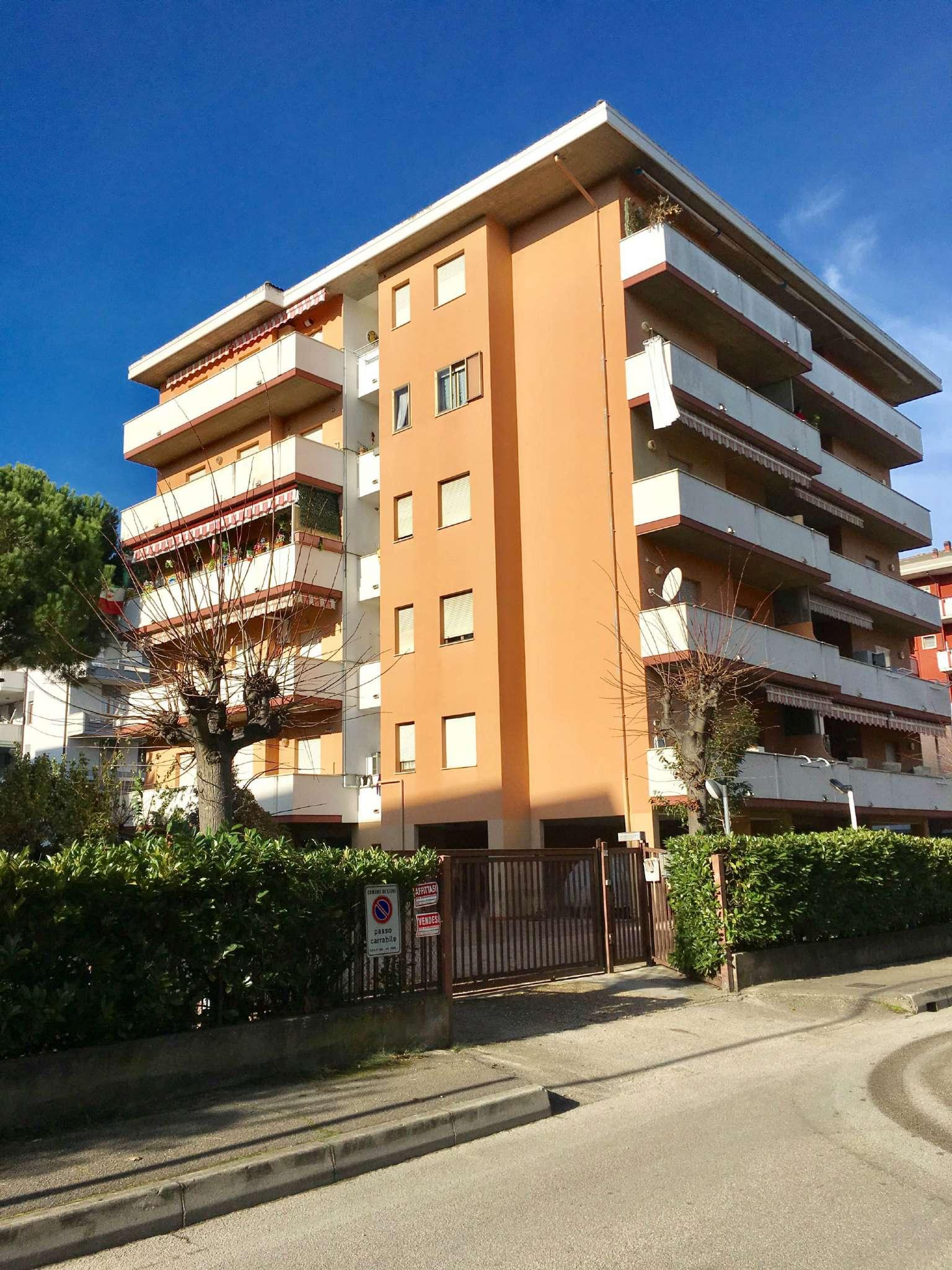 Appartamento in affitto a Silvi, 3 locali, prezzo € 430 | Cambio Casa.it