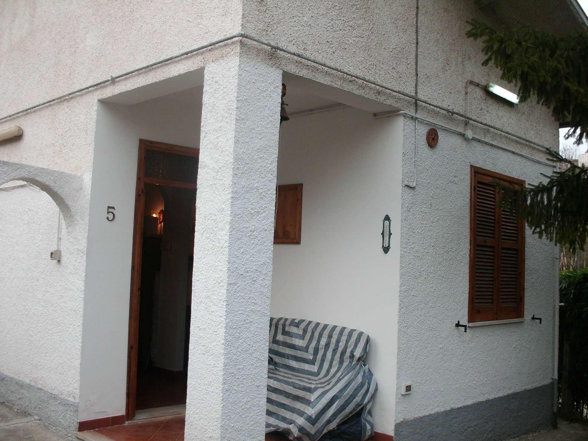 Soluzione Indipendente in affitto a Cappelle sul Tavo, 4 locali, prezzo € 400 | Cambio Casa.it