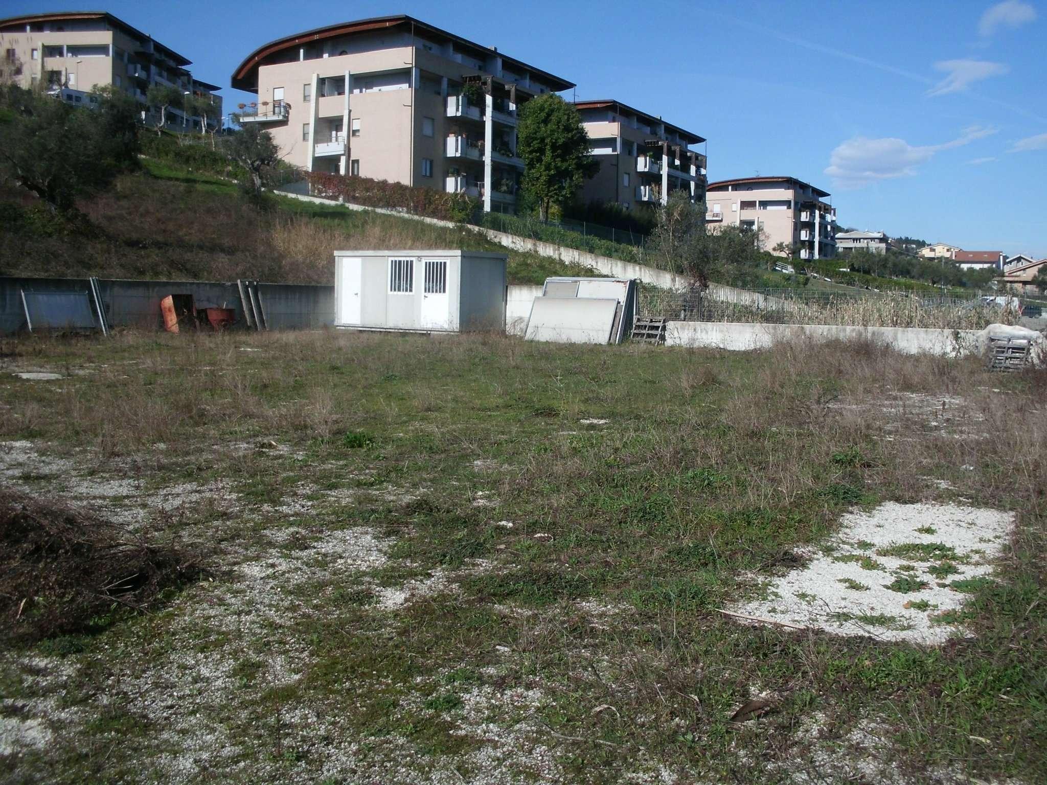 Terreno Edificabile Artigianale in Affitto a Pescara
