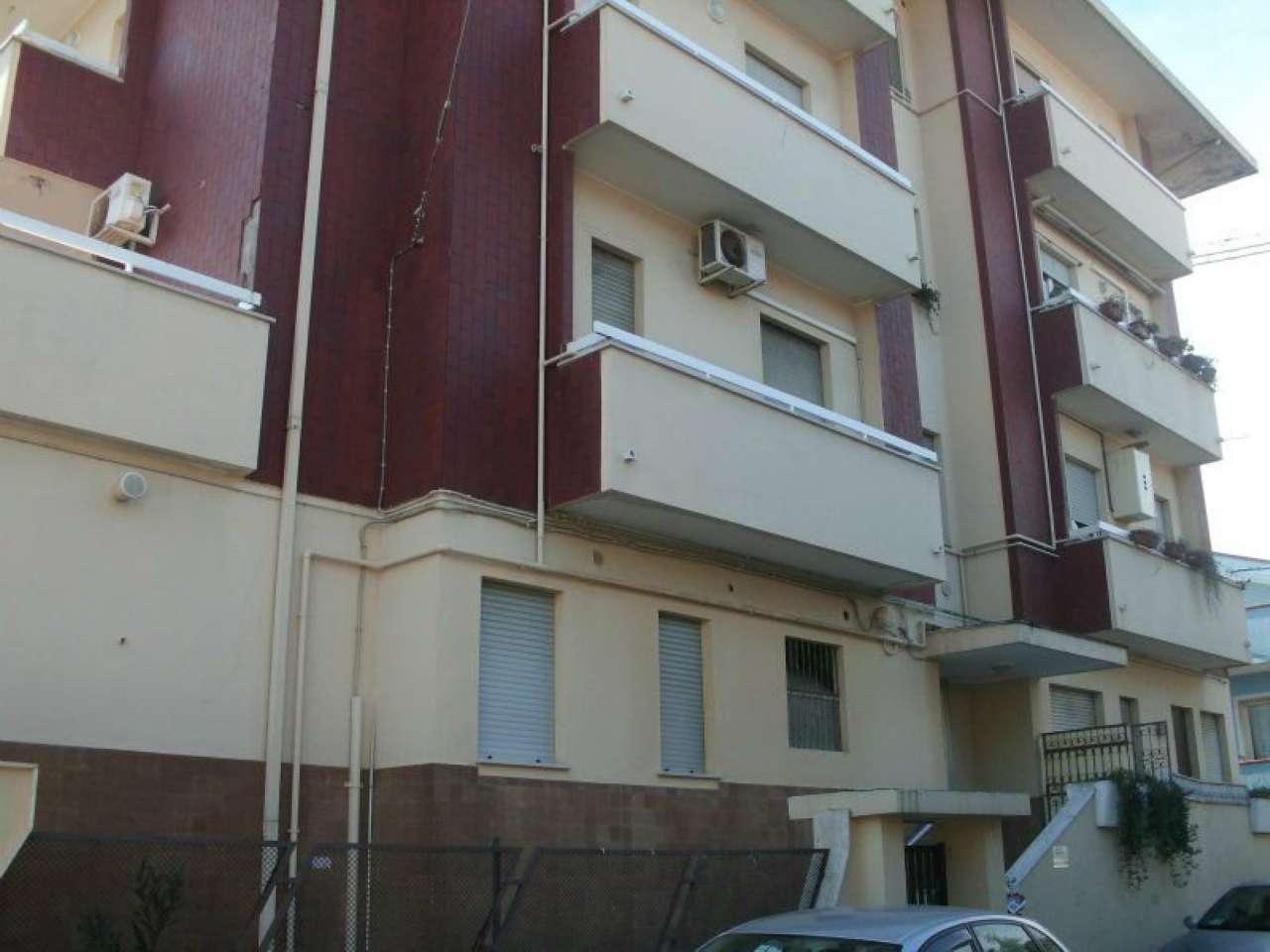 Appartamento in affitto a Montesilvano, 2 locali, prezzo € 380 | Cambio Casa.it