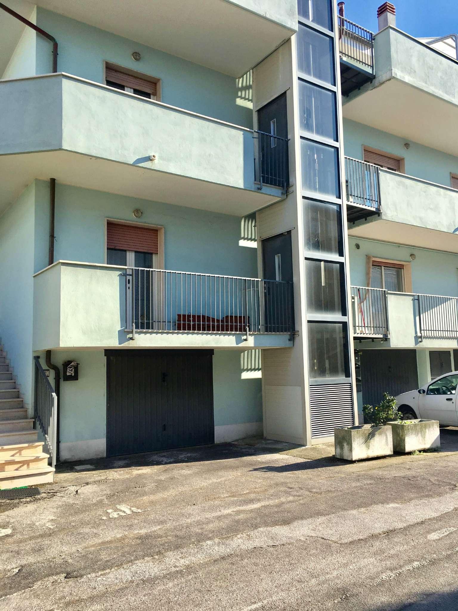 Appartamento in affitto a Montesilvano, 4 locali, prezzo € 600 | Cambio Casa.it